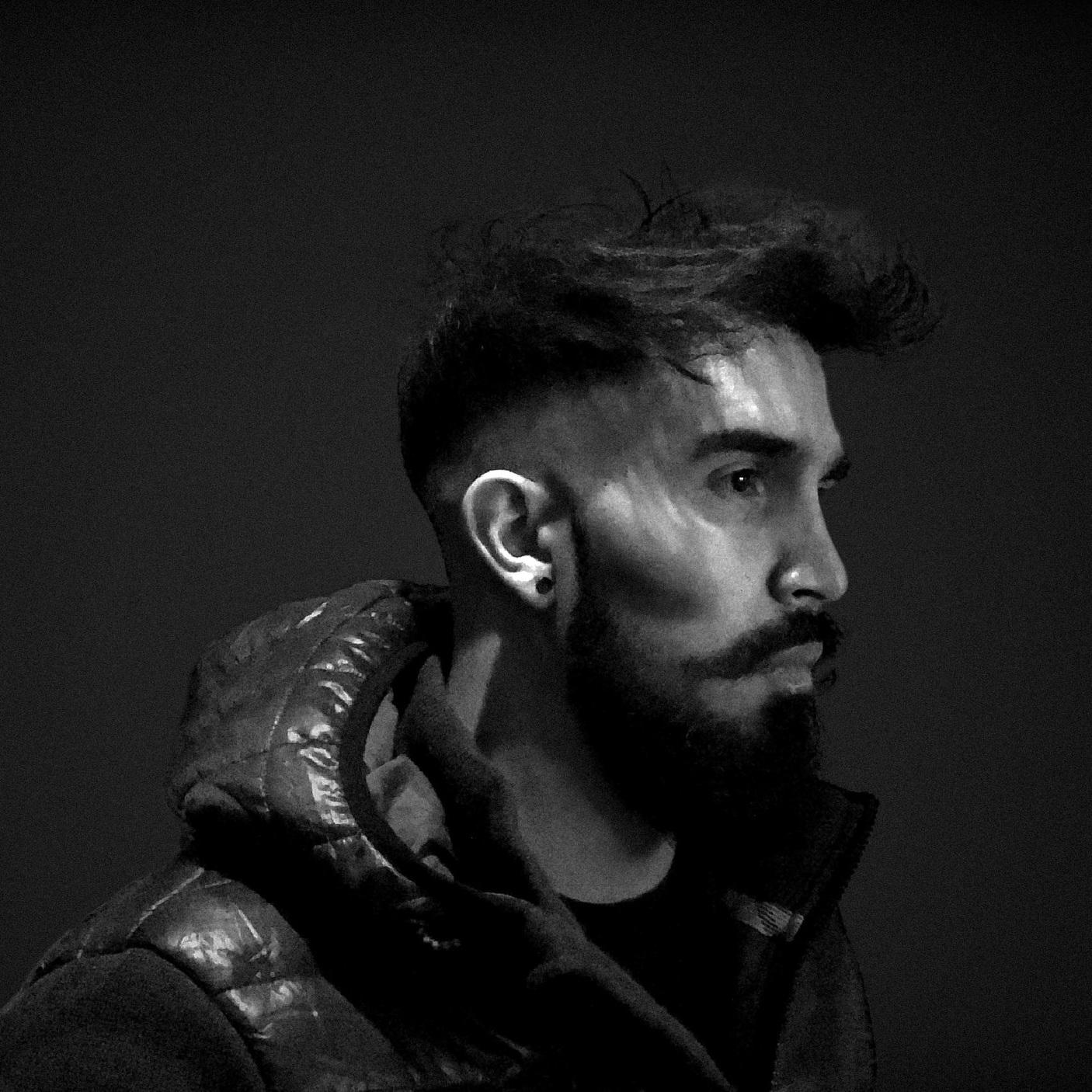 DOGCAST 012 Artist: STARK D Genre: Melodic Techno/Deep Tech/Minimal Country: Brazil - Italy - UK