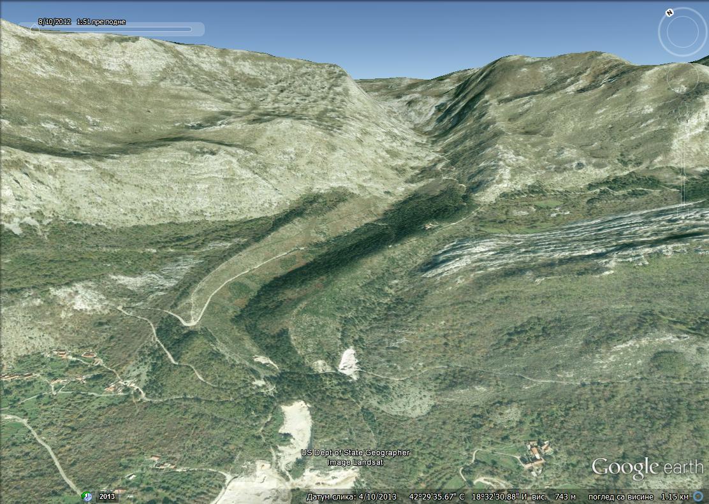 Детаљ више села Камено. Јасно видљиви трагови дјеловања глечера