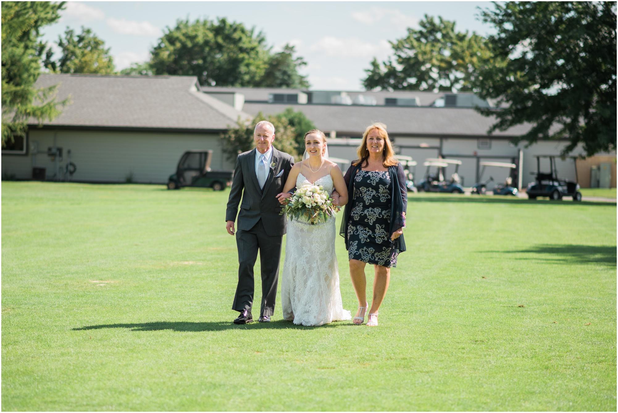 Wisconsin-Wedding-Photographer-Reedsburg-Country-Club-Kaela-and Matt-Wedding-414.jpg