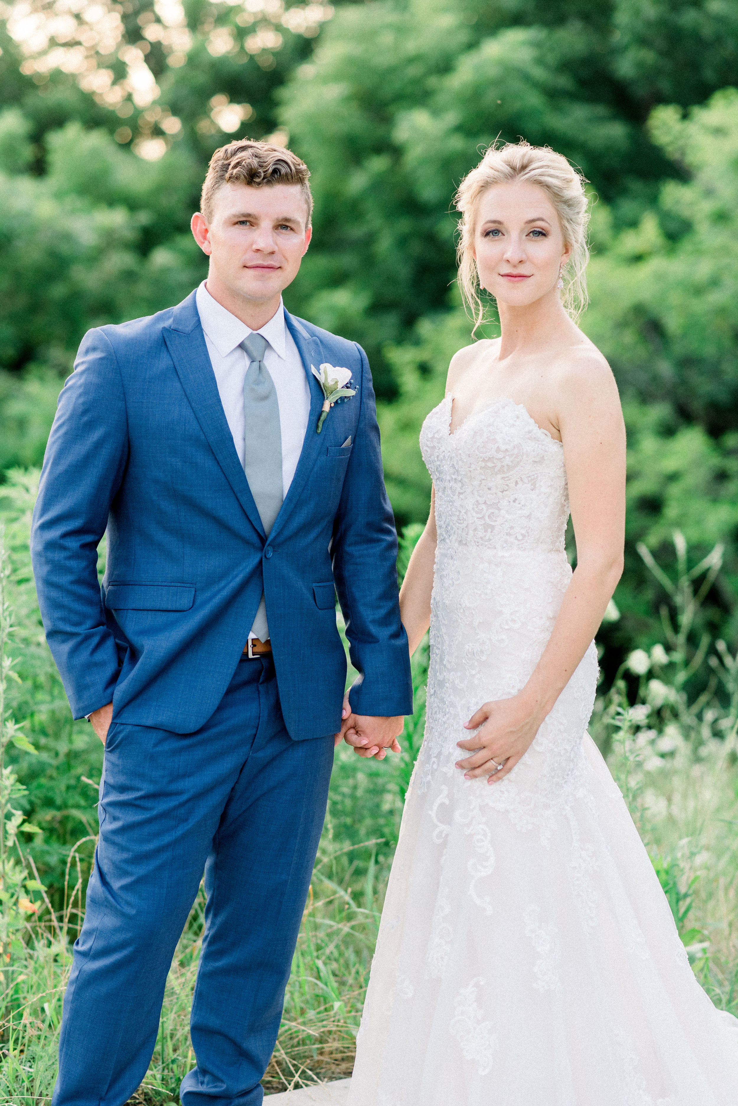 The-Fields-Reserve-Stoughton-WI-Bride-and-Groom-Wedding-Photos-402.jpg