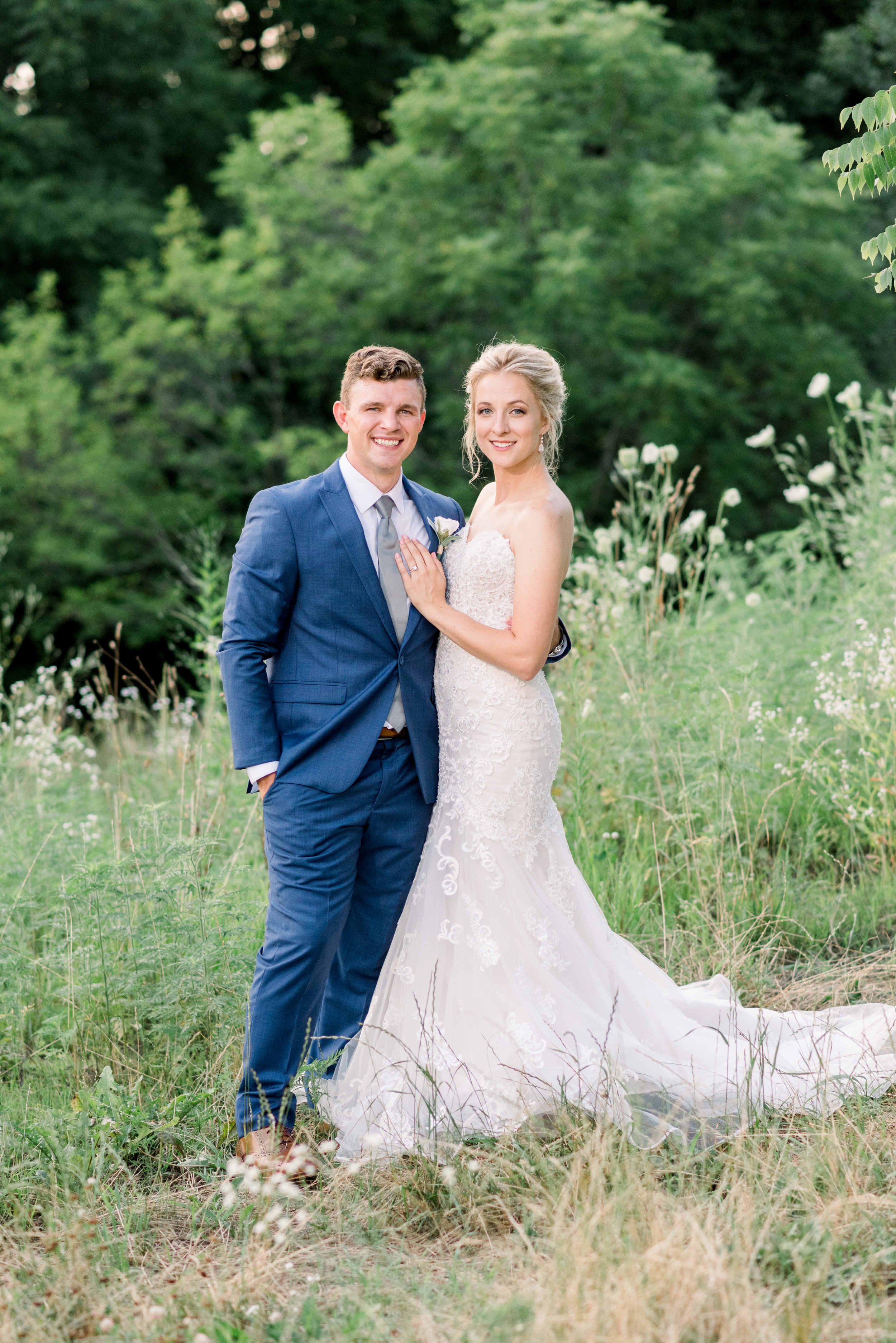 The-Fields-Reserve-Stoughton-WI-Bride-and-Groom-Wedding-Photos-403.jpg