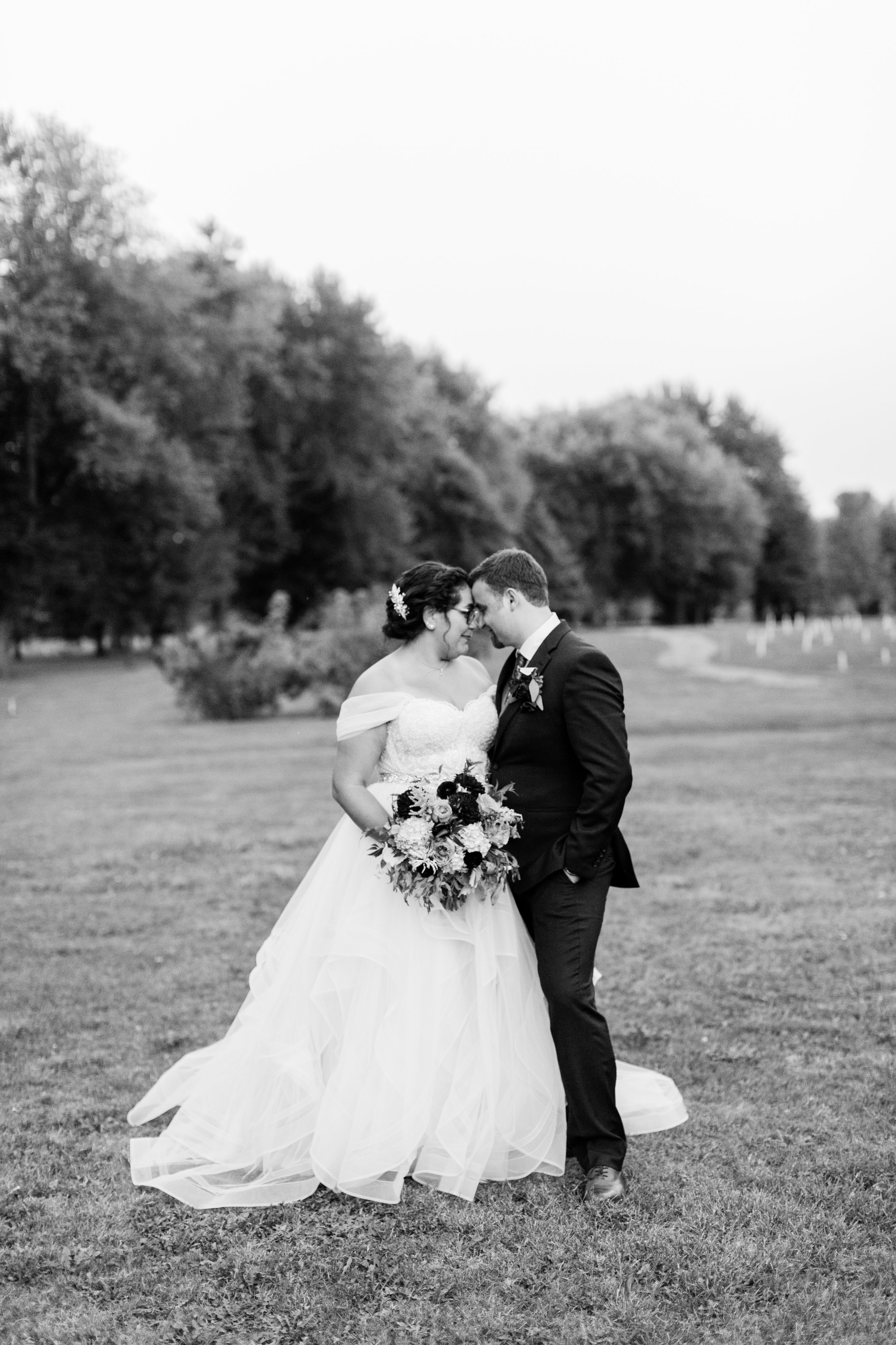 Stone Arch at Riverview Gardens-Appleton WI-Wedding-Photos-Fran and Andrew-12.jpg