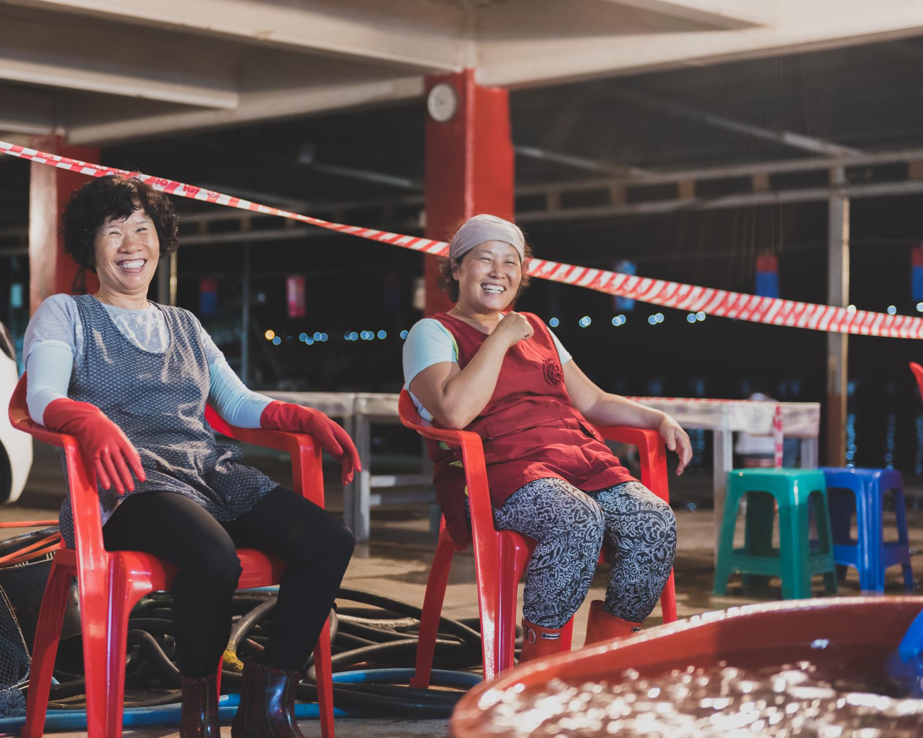 ladies on red chairs.jpg