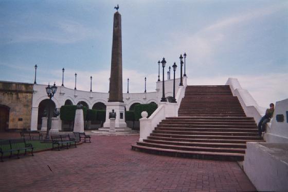 Obelisk in Casco Viejo