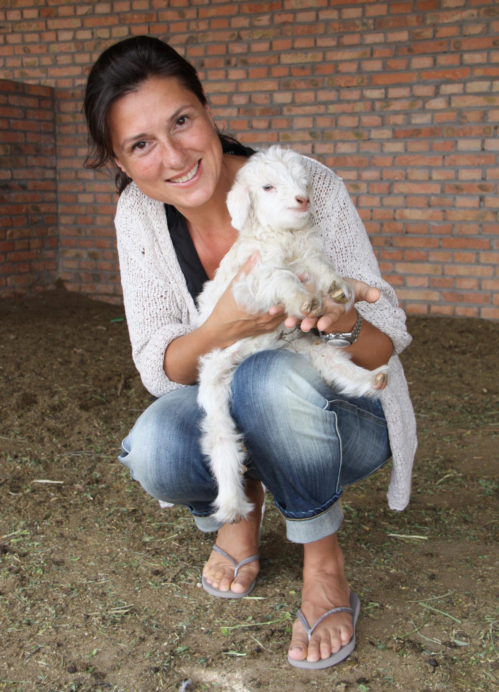 Designerin und SMINFINITY-Gründerin Sabine Moschüring bei einem Besuch in der Inneren Mongolei.