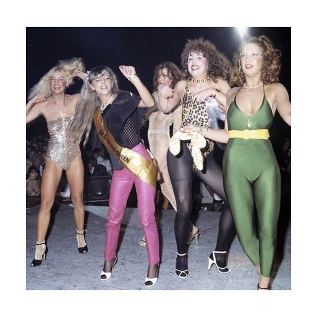 Already looking forward to the weekend!! Also, loving the shoessss. The 70's had great fashion moments!! #denizterli #handmade #designershoes #partygirls #inspiration #leggings #highheels #squadgoals #friends #leotard #prints #70sfashion #discoqueen