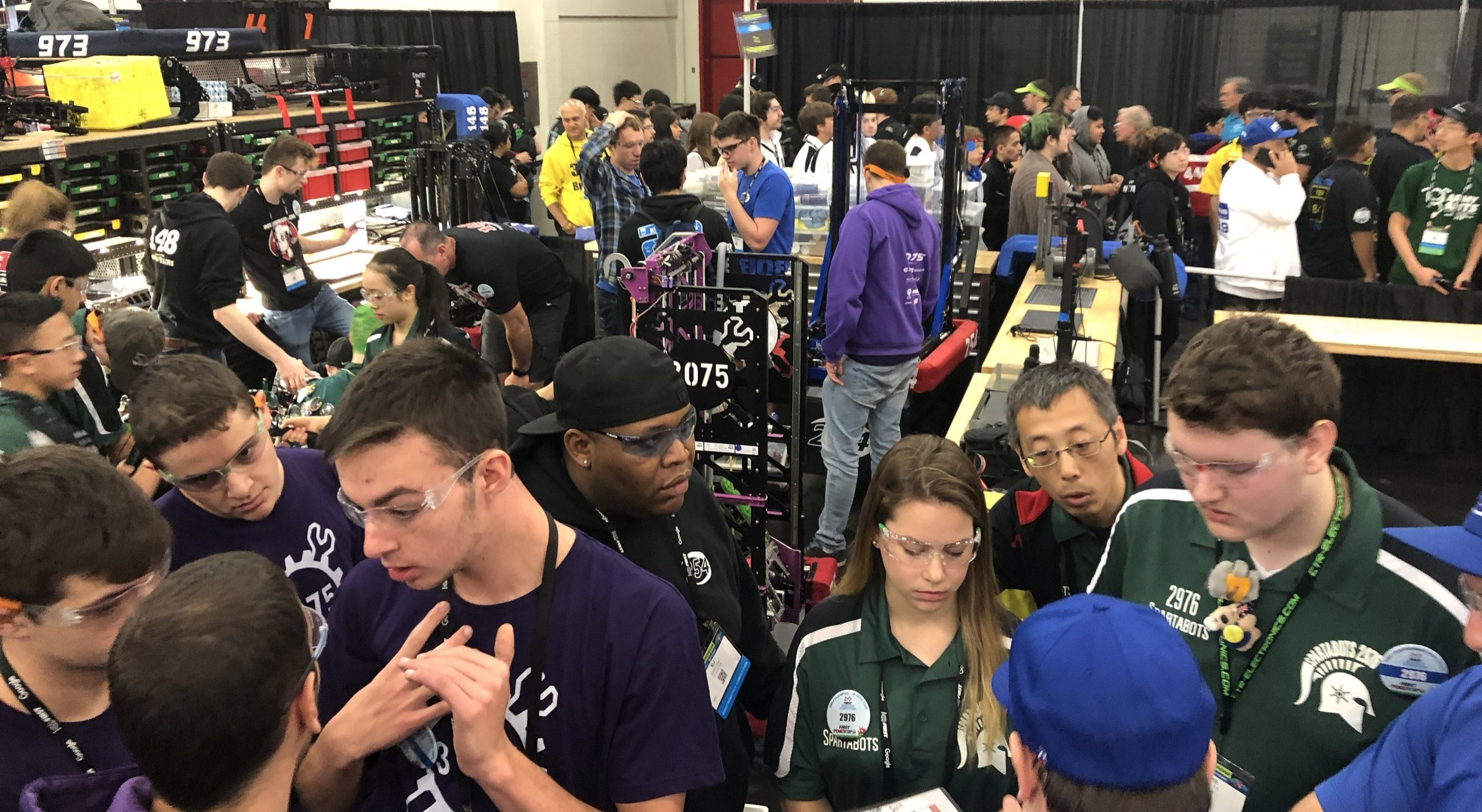 Our alliance's elimination pit was a busy place. Four teams, plus (what seemed like an  abnormal  amount of) visitors. It was GREAAAAAT - so much fun.