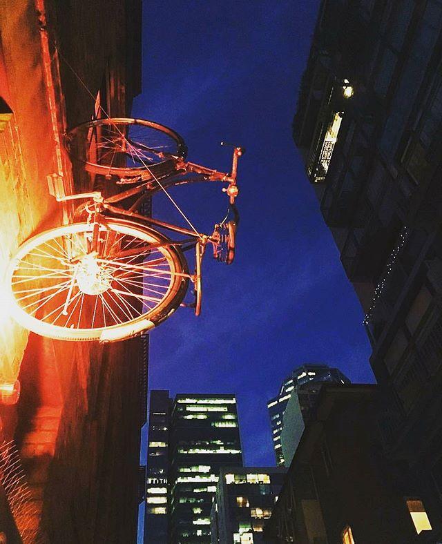We too love Melbourne laneways @longyillian 😍