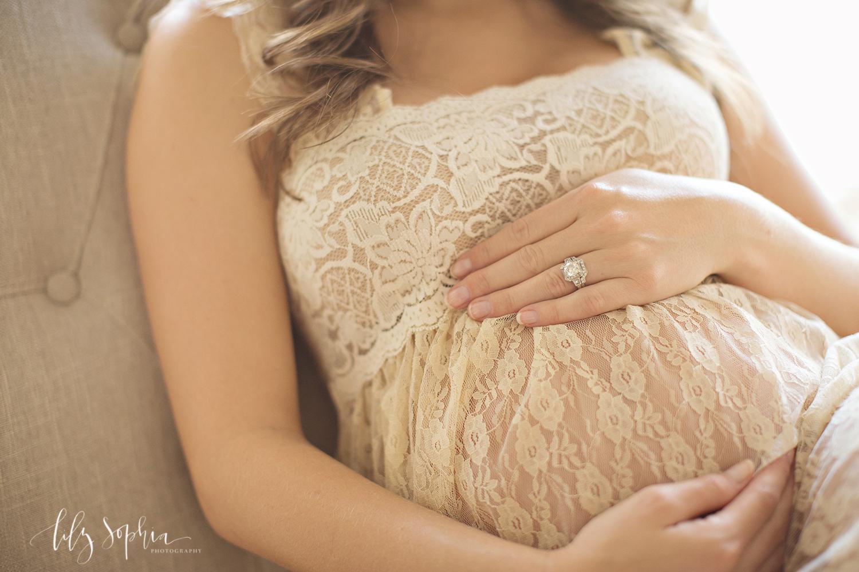 atlanta-maternity-photographer-lace-dress