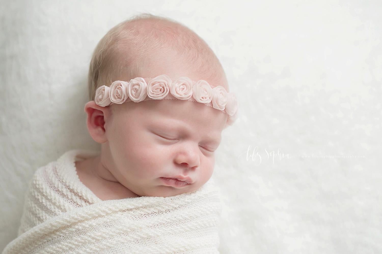 newborn-baby-pics-atlanta-studio-photographer-flower-crown-halo-girl-natural-light-grant-park-intown-atlanta