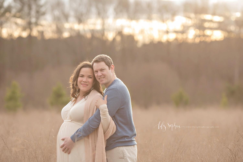 atlanta-maternity-photographer-outdoors-sunset-field-roswell-alpharetta-intown-decatur-vinings-couples-session
