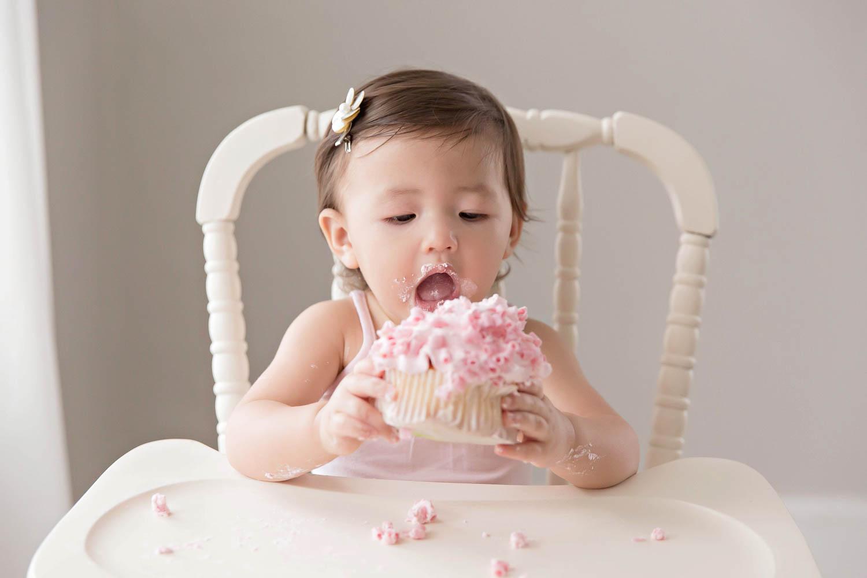ATLANTA_SMASH_CAKE_FIRST_BIRTHDAY_BABY_PHOTOGRAPHY-19.jpg