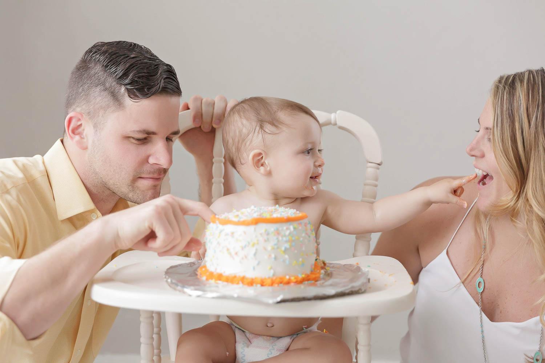 ATLANTA_SMASH_CAKE_FIRST_BIRTHDAY_BABY_PHOTOGRAPHY-27.jpg