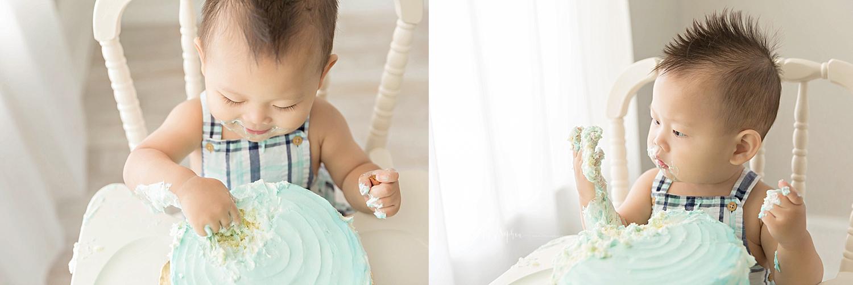 atlanta-georgia-natural-light-studio-intown-first-birthday-cake-smash-baby-boy-big-brother-lawrenceville_3192.jpg