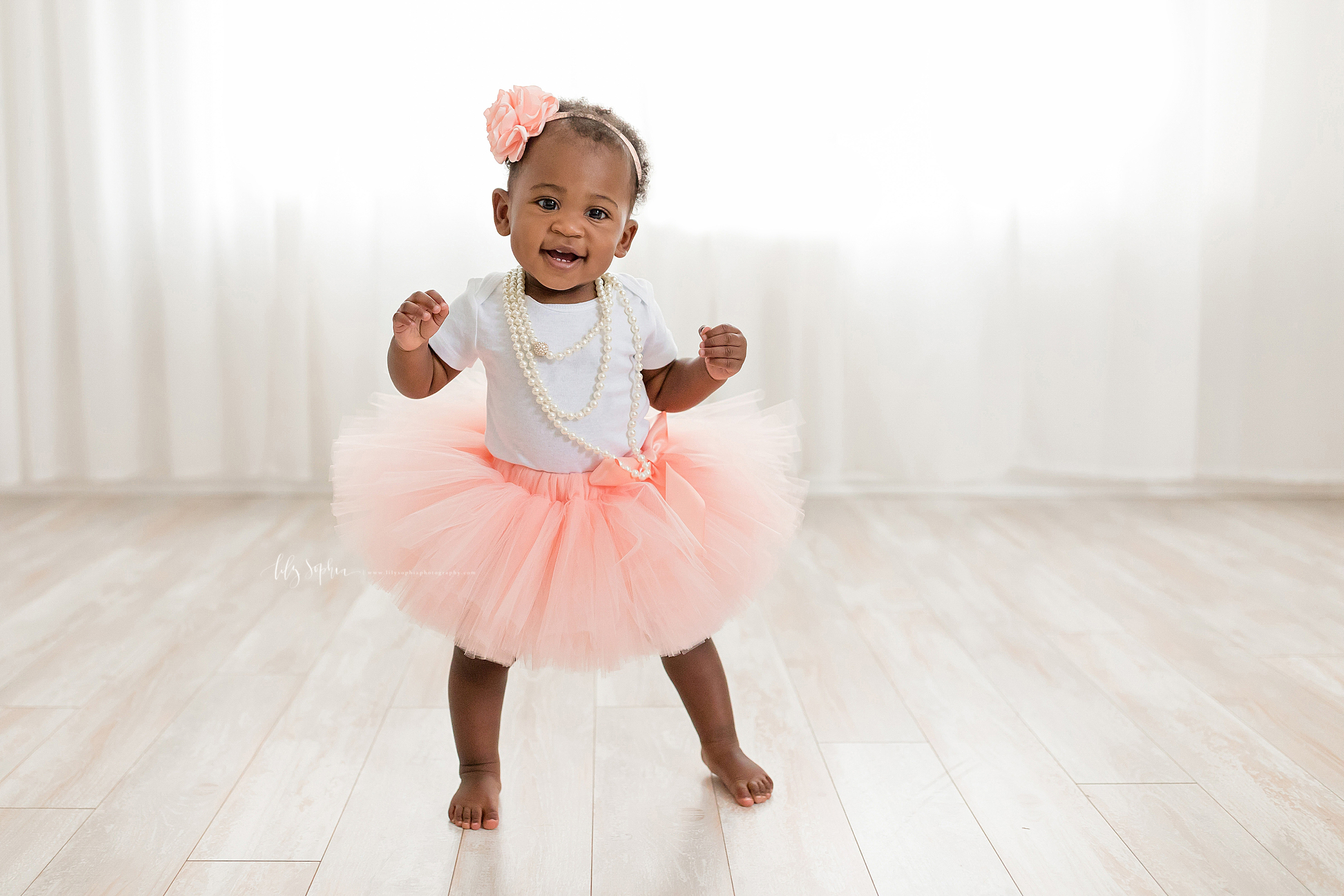 atlanta-smyrna-brookhaven-decatur-lily-sophia-photography-photographer-portraits-grant-park-intown-first-birthday-cake-smash-one-year-old-toddler-baby-girl_0014.jpg