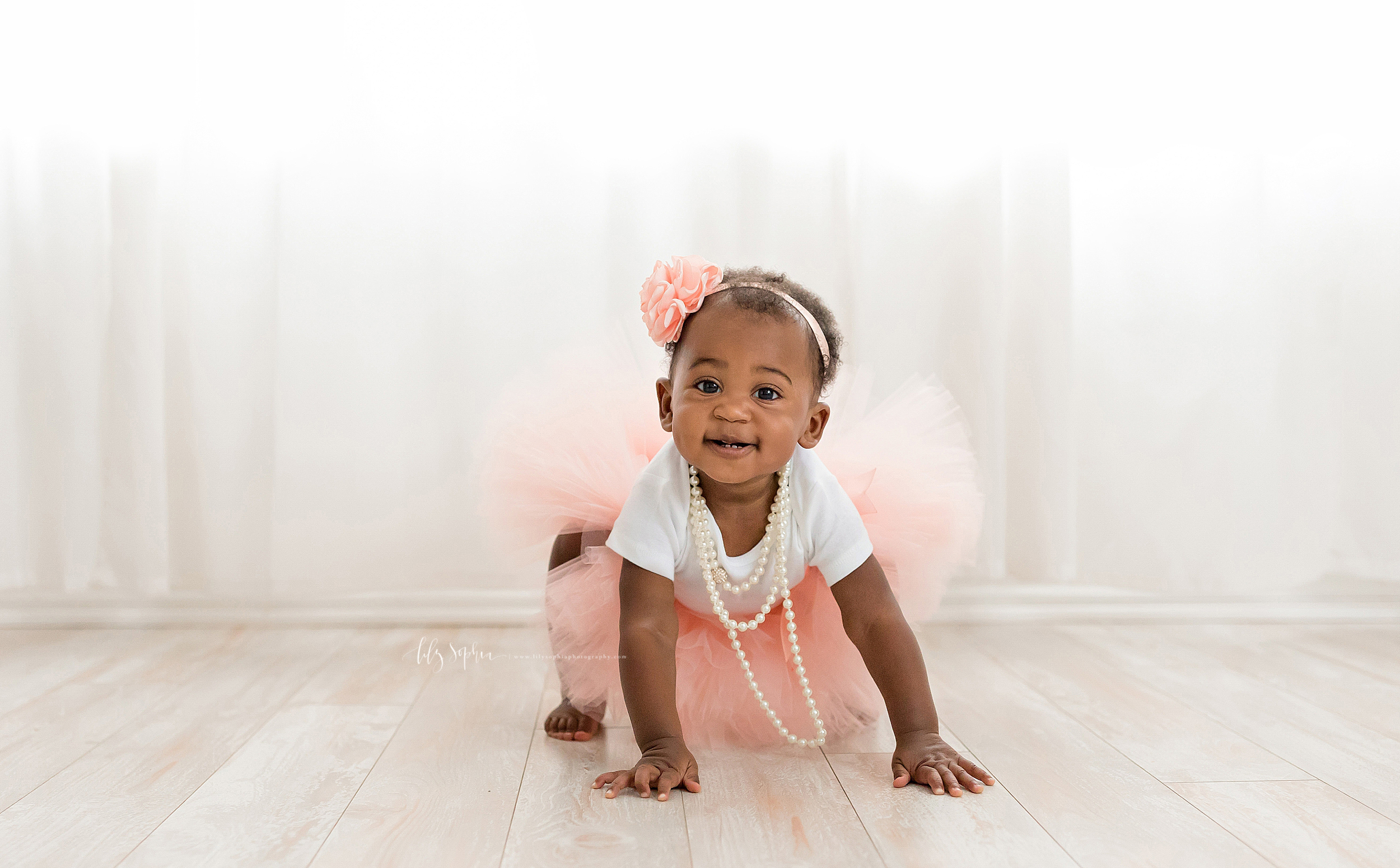 atlanta-smyrna-brookhaven-decatur-lily-sophia-photography-photographer-portraits-grant-park-intown-first-birthday-cake-smash-one-year-old-toddler-baby-girl_0015.jpg