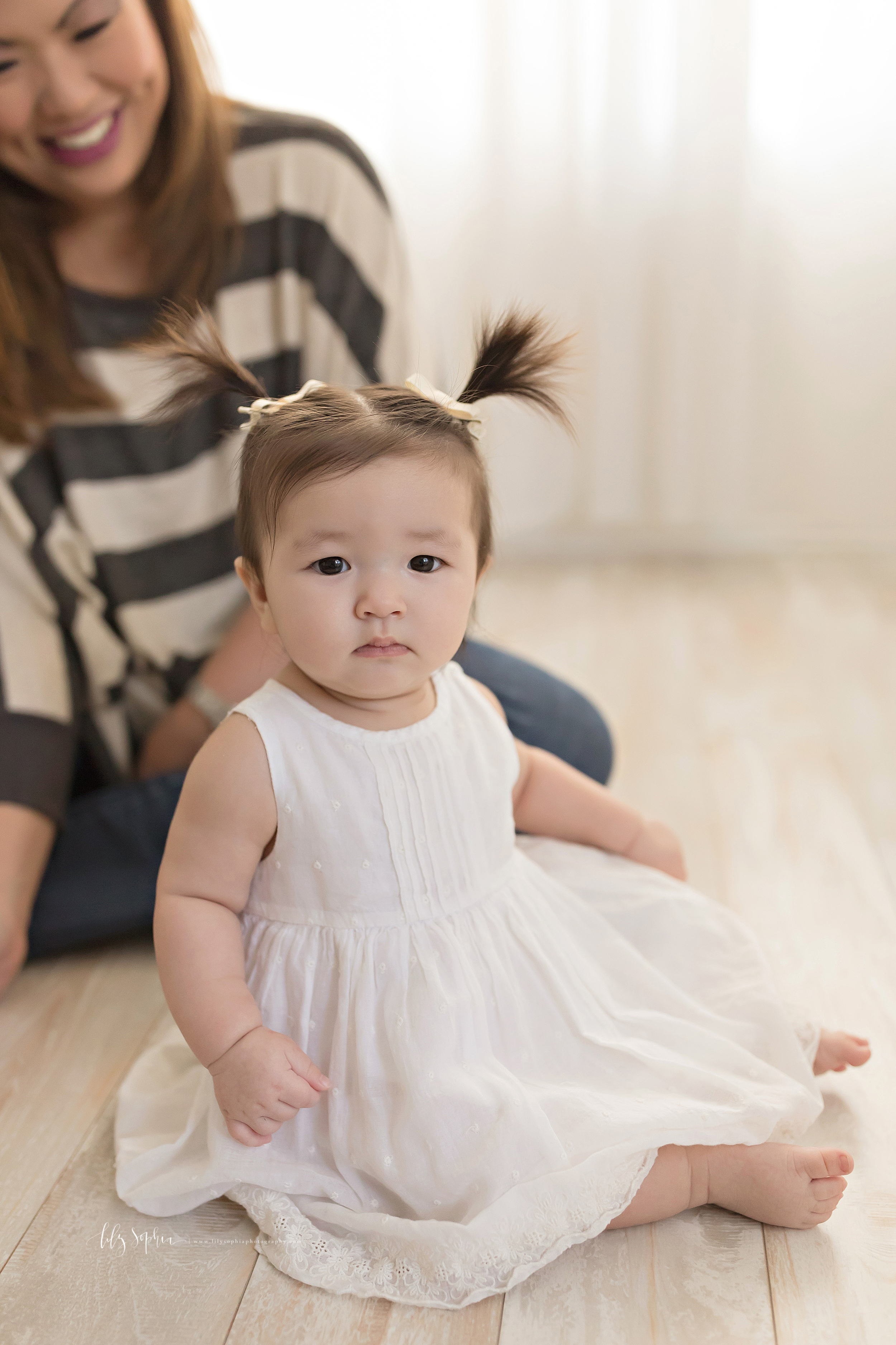 atlanta-midtown-brookhaven-decatur-lily-sophia-photography-photographer-portraits-grant-park-studio-six-month-milestone-baby-girl-big-sister-family_0128.jpg