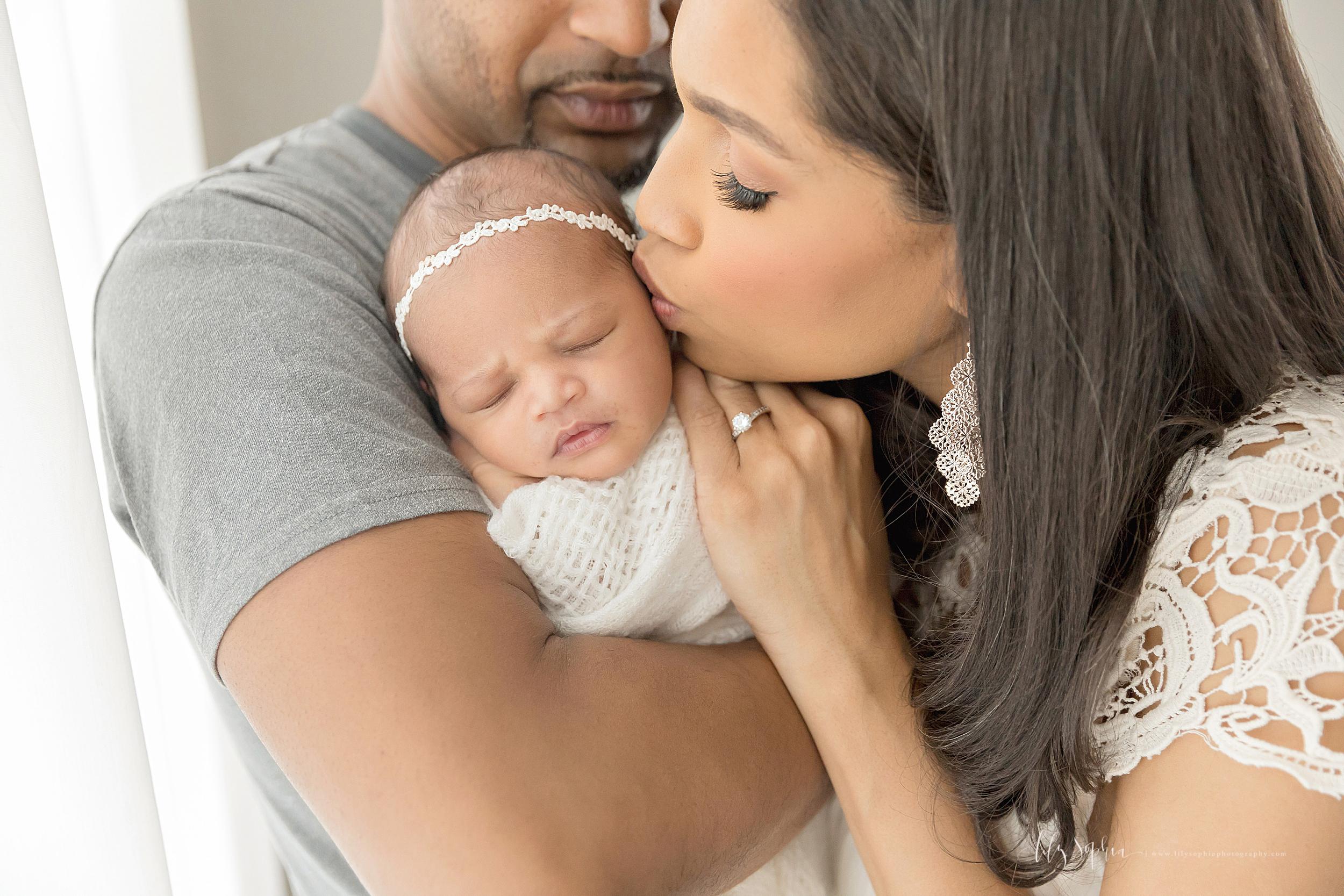 atlanta-midtown-brookhaven-decatur-lily-sophia-photography-photographer-portraits-grant-park-family-studio-newborn-baby-girl-big-brothers_0124.jpg