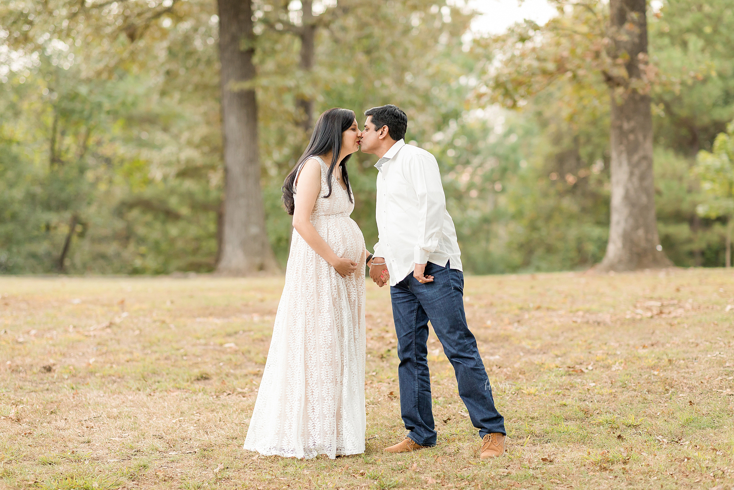 atlanta-midtown-lawrenceville-decatur-lily-sophia-photography-photographer-indian-couple-maternity-photos-expecting-baby-girl_0190.jpg