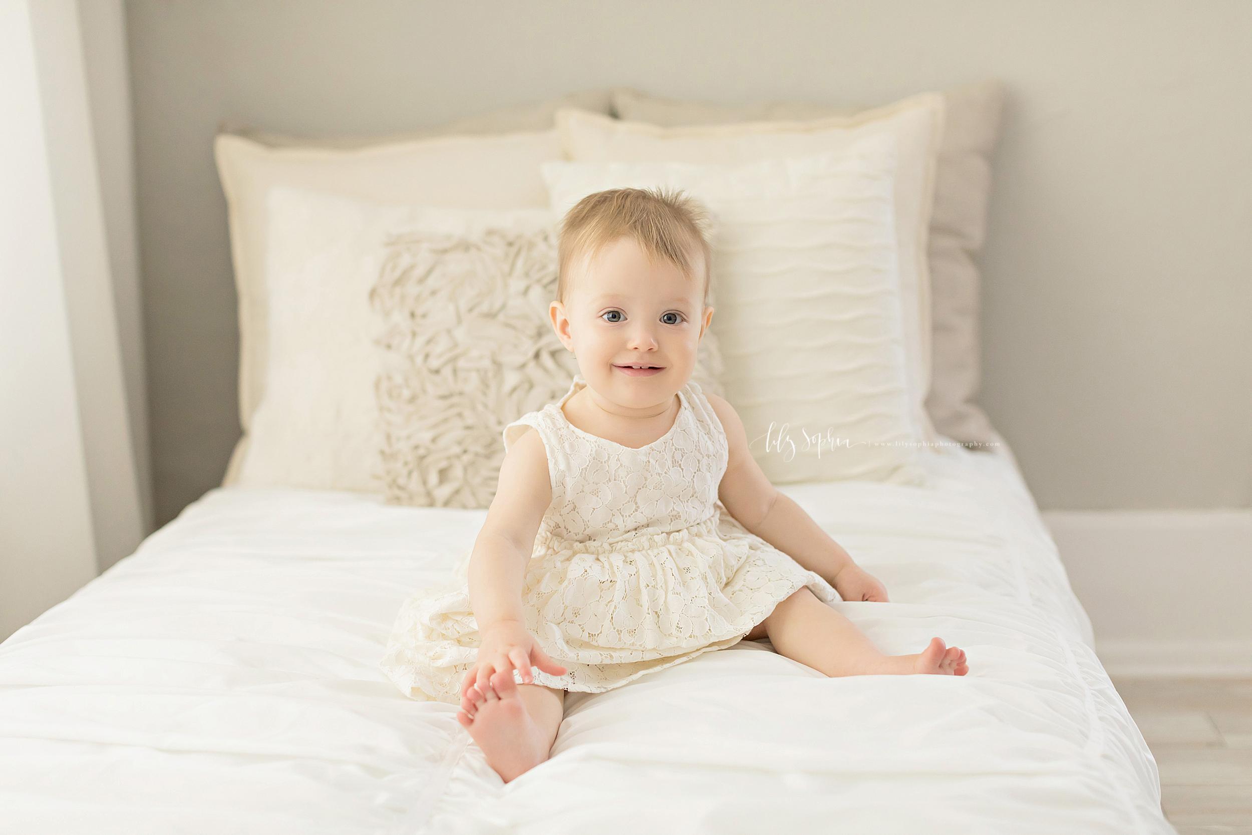 atlanta-midtown-sandy-springs-decatur-lily-sophia-photography-photographer-first-birthday-cake-smash-baby-girl_0201.jpg