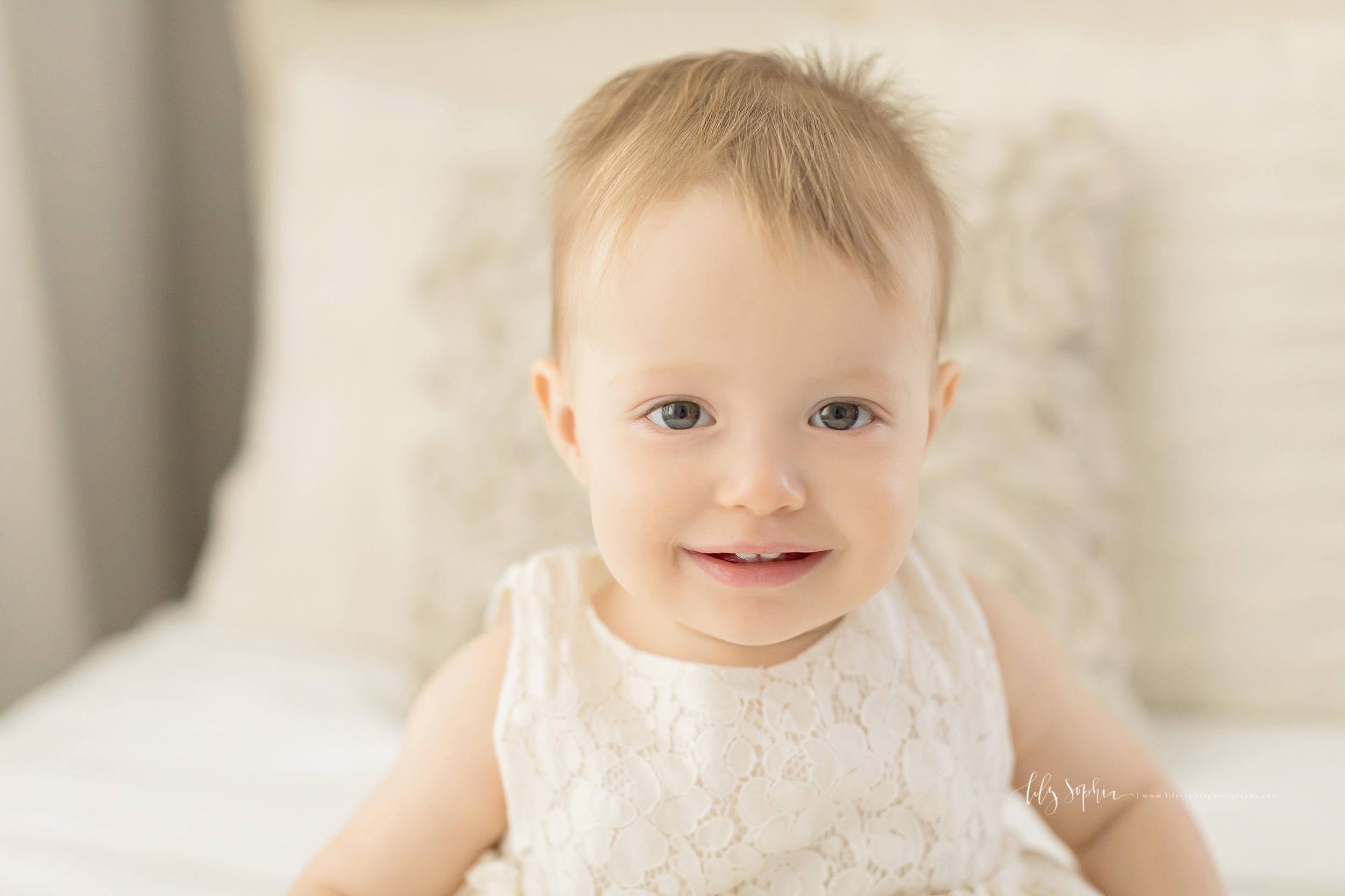 atlanta-midtown-sandy-springs-decatur-lily-sophia-photography-photographer-first-birthday-cake-smash-baby-girl_0202.jpg
