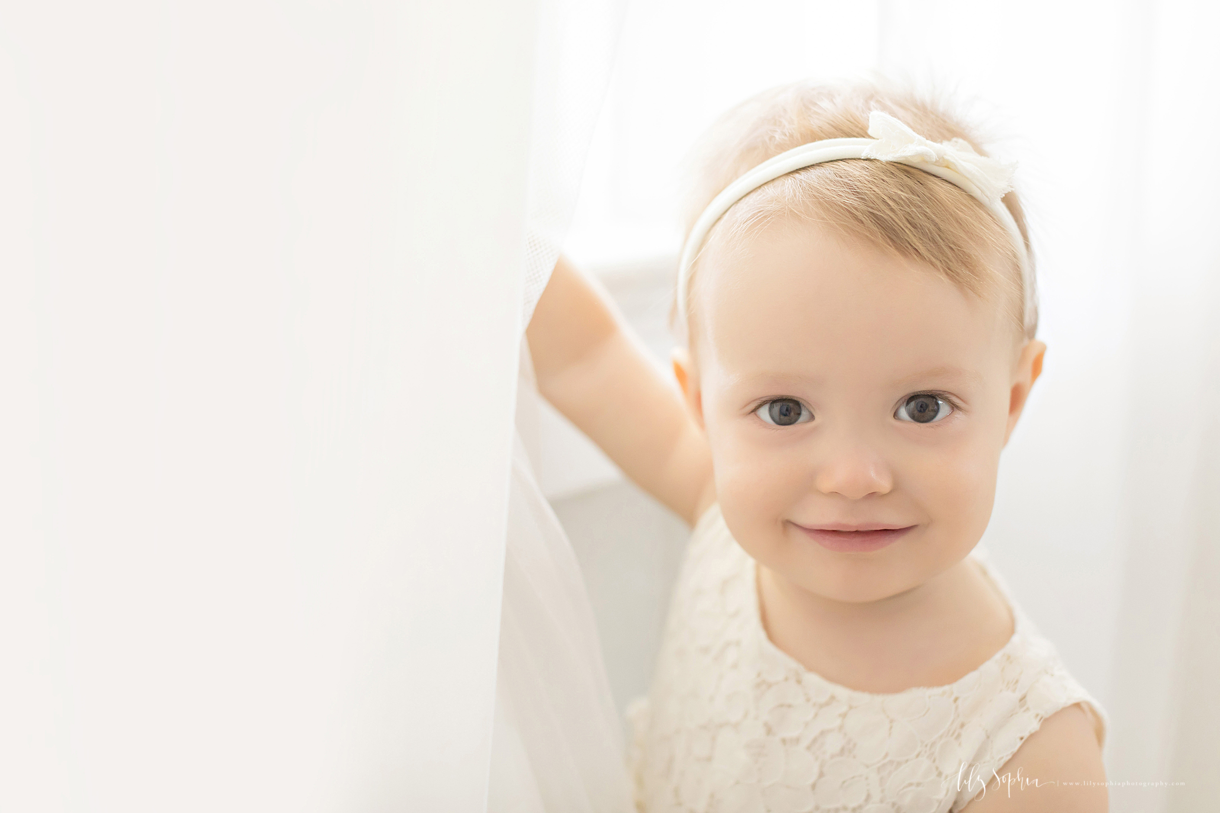 atlanta-midtown-sandy-springs-decatur-lily-sophia-photography-photographer-first-birthday-cake-smash-baby-girl_0206.jpg