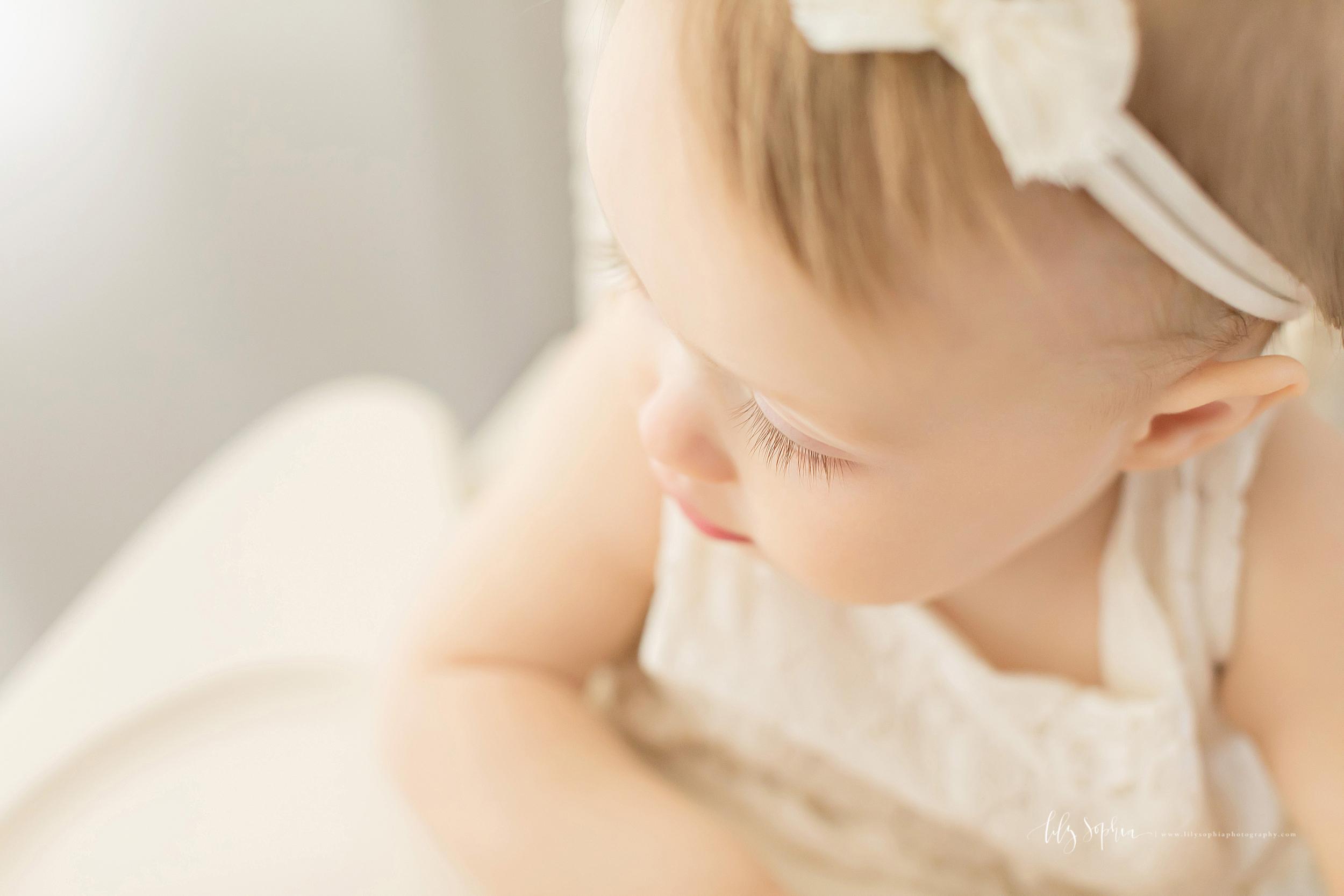 atlanta-midtown-sandy-springs-decatur-lily-sophia-photography-photographer-first-birthday-cake-smash-baby-girl_0208.jpg