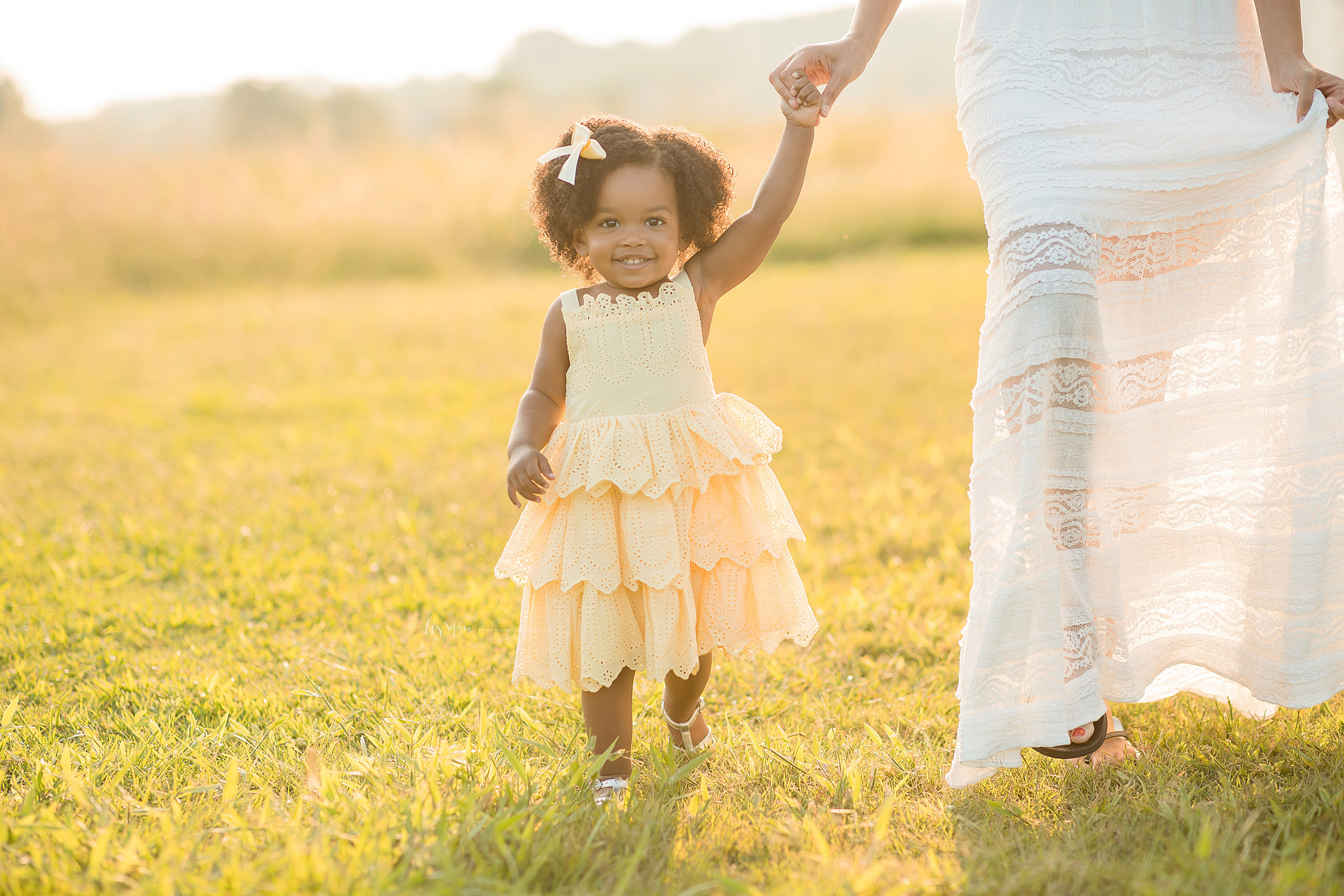 atlanta-midtown-brookhaven-ashford-dunwoody-decatur-lily-sophia-photography-outdoor-sunset-field-mountain-family-photographer-toddler-girl_0396.jpg