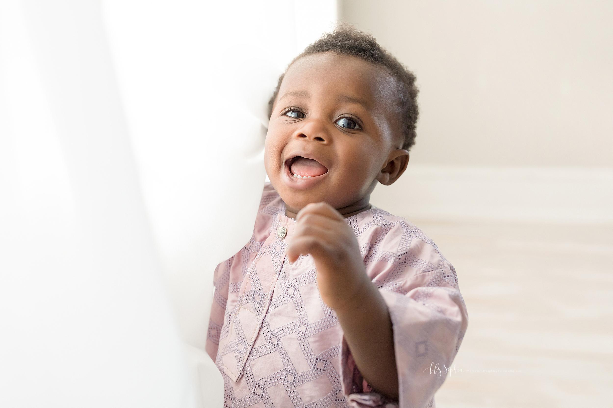atlanta-midtown-brookhaven-ashford-dunwoody-decatur-lily-sophia-photography-nigerian-family-photographer-first-birthday-toddler-baby-boy-smash-cake-studio-photos_0390.jpg