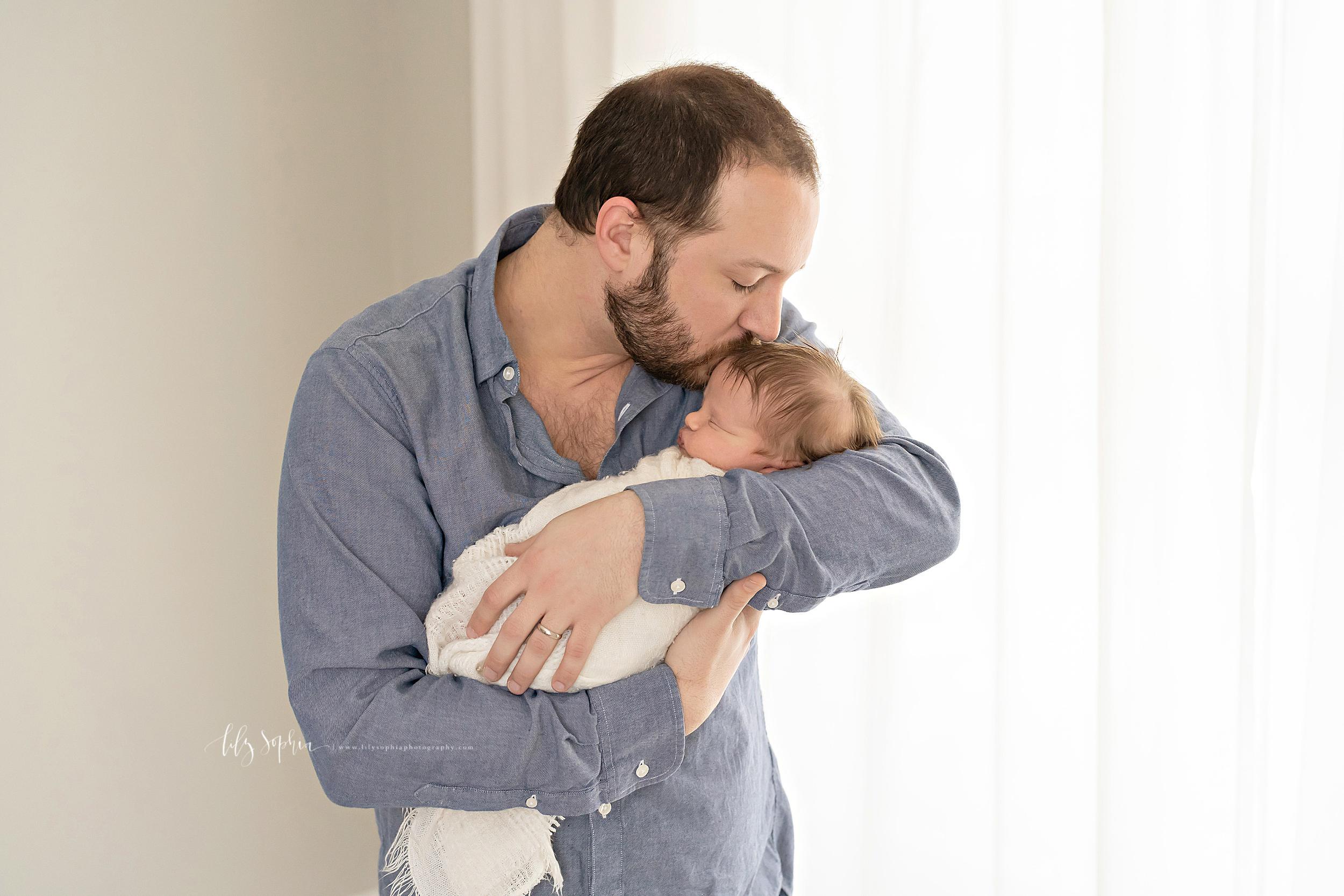 atlanta-midtown-brookhaven-ashford-dunwoody-virginia-highlands-roswell-decatur-lily-sophia-photography-newborn-baby-boy-big-brother-family-studio-session_0625.jpg