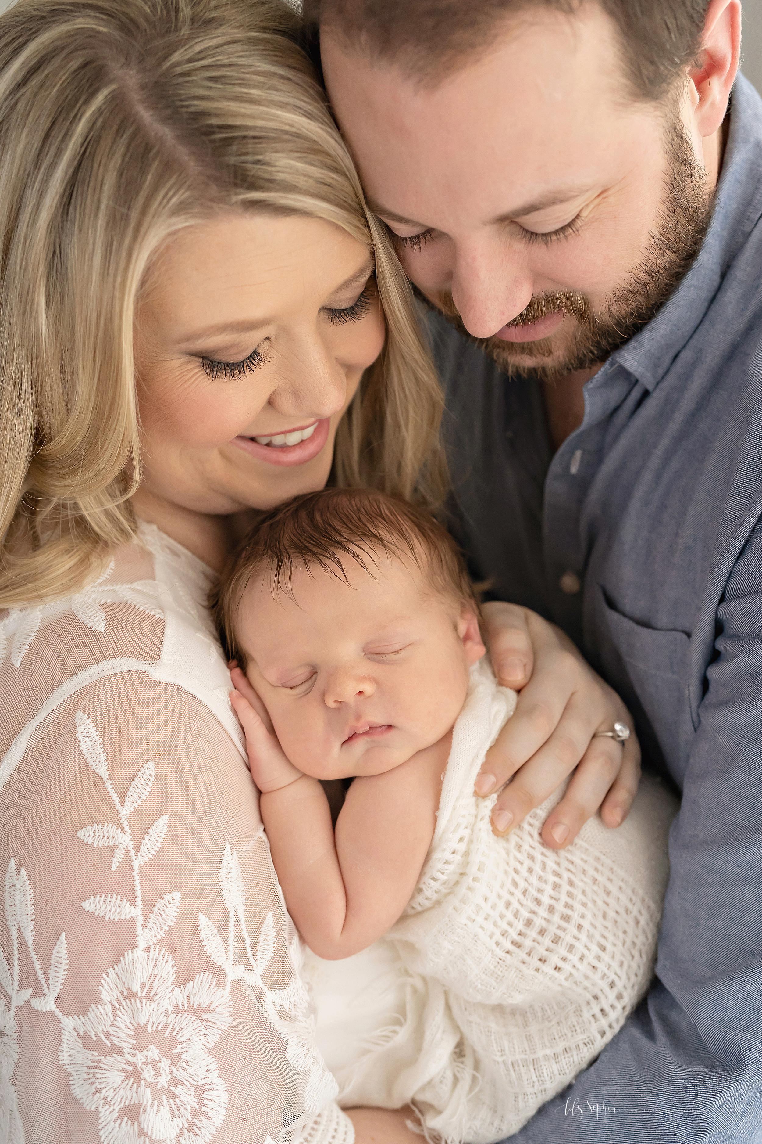 atlanta-midtown-brookhaven-ashford-dunwoody-virginia-highlands-roswell-decatur-lily-sophia-photography-newborn-baby-boy-big-brother-family-studio-session_0634.jpg