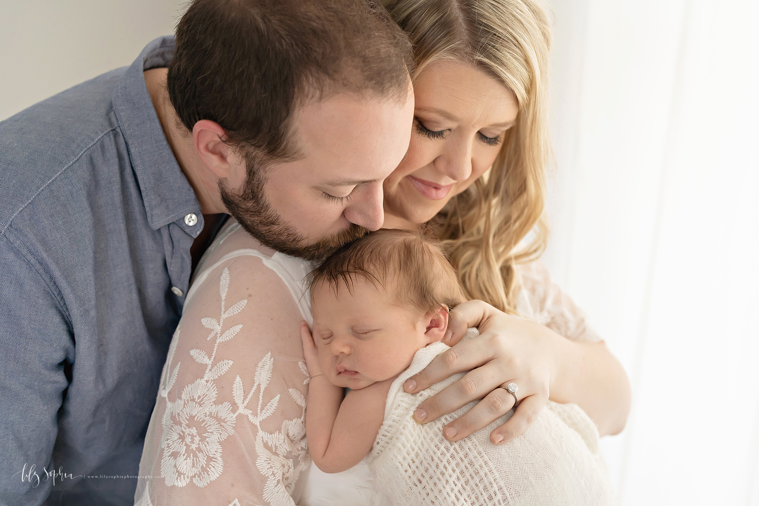 atlanta-midtown-brookhaven-ashford-dunwoody-virginia-highlands-roswell-decatur-lily-sophia-photography-newborn-baby-boy-big-brother-family-studio-session_0638.jpg