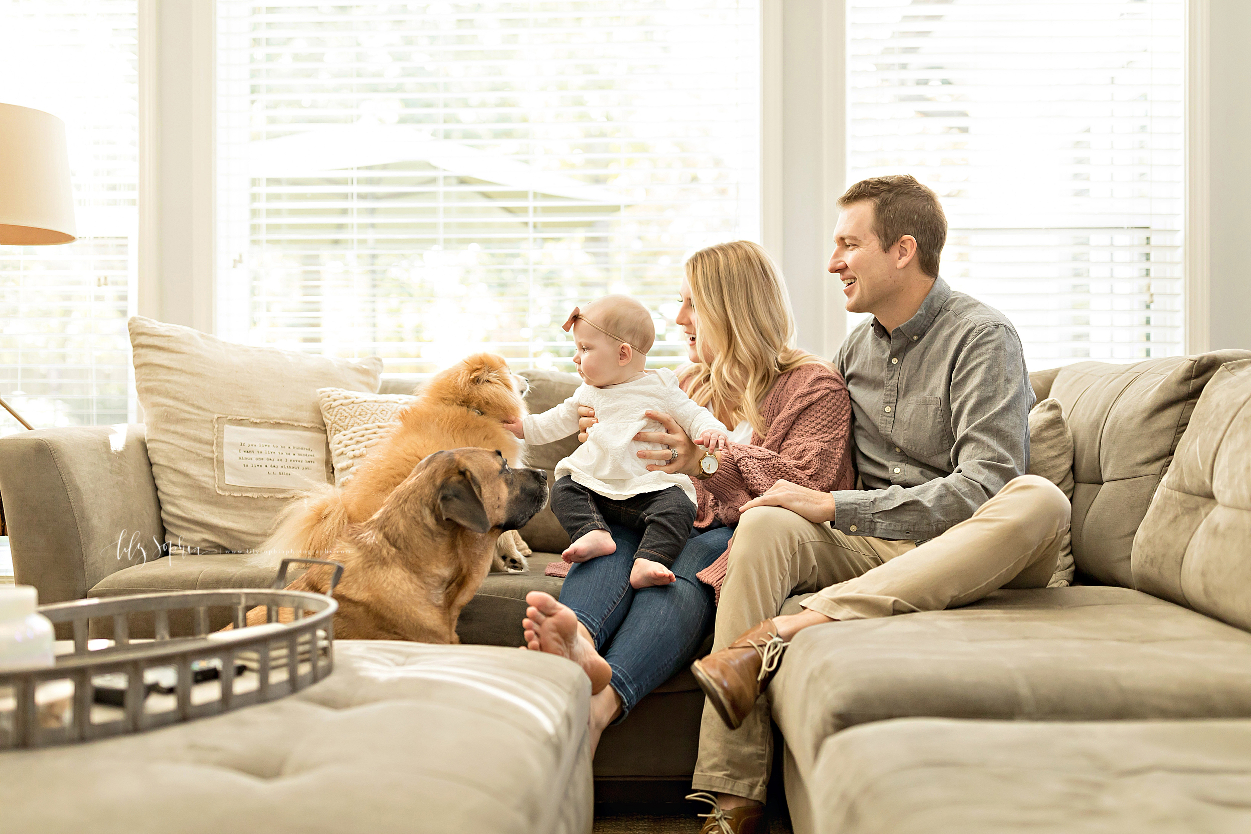 atlanta-midtown-brookhaven-ashford-dunwoody-virginia-highlands-roswell-decatur-lily-sophia-photography-in-home-six-month-milestone-family-lifestyle-session-sandy-springs_0649.jpg