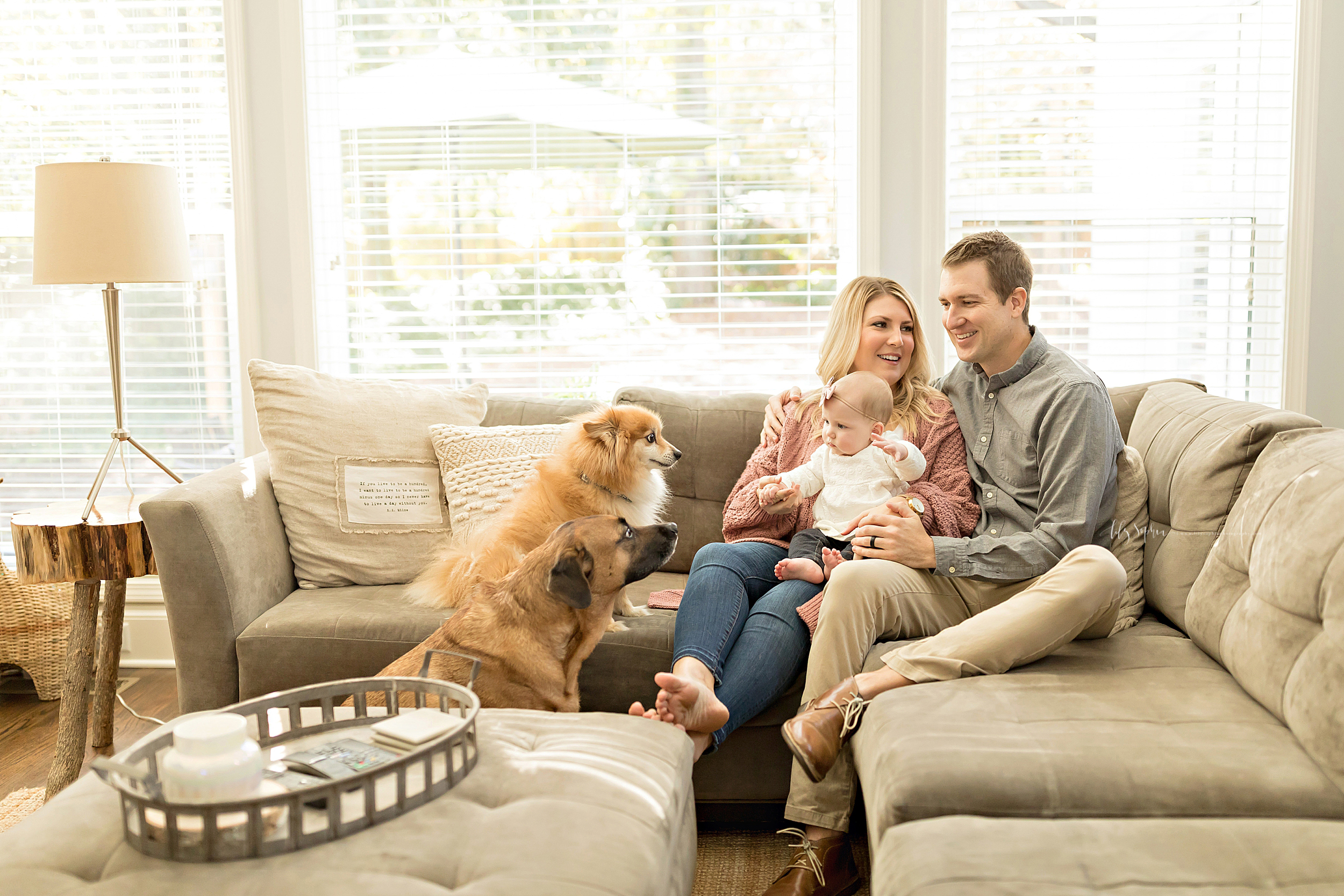 atlanta-midtown-brookhaven-ashford-dunwoody-virginia-highlands-roswell-decatur-lily-sophia-photography-in-home-six-month-milestone-family-lifestyle-session-sandy-springs_0648.jpg