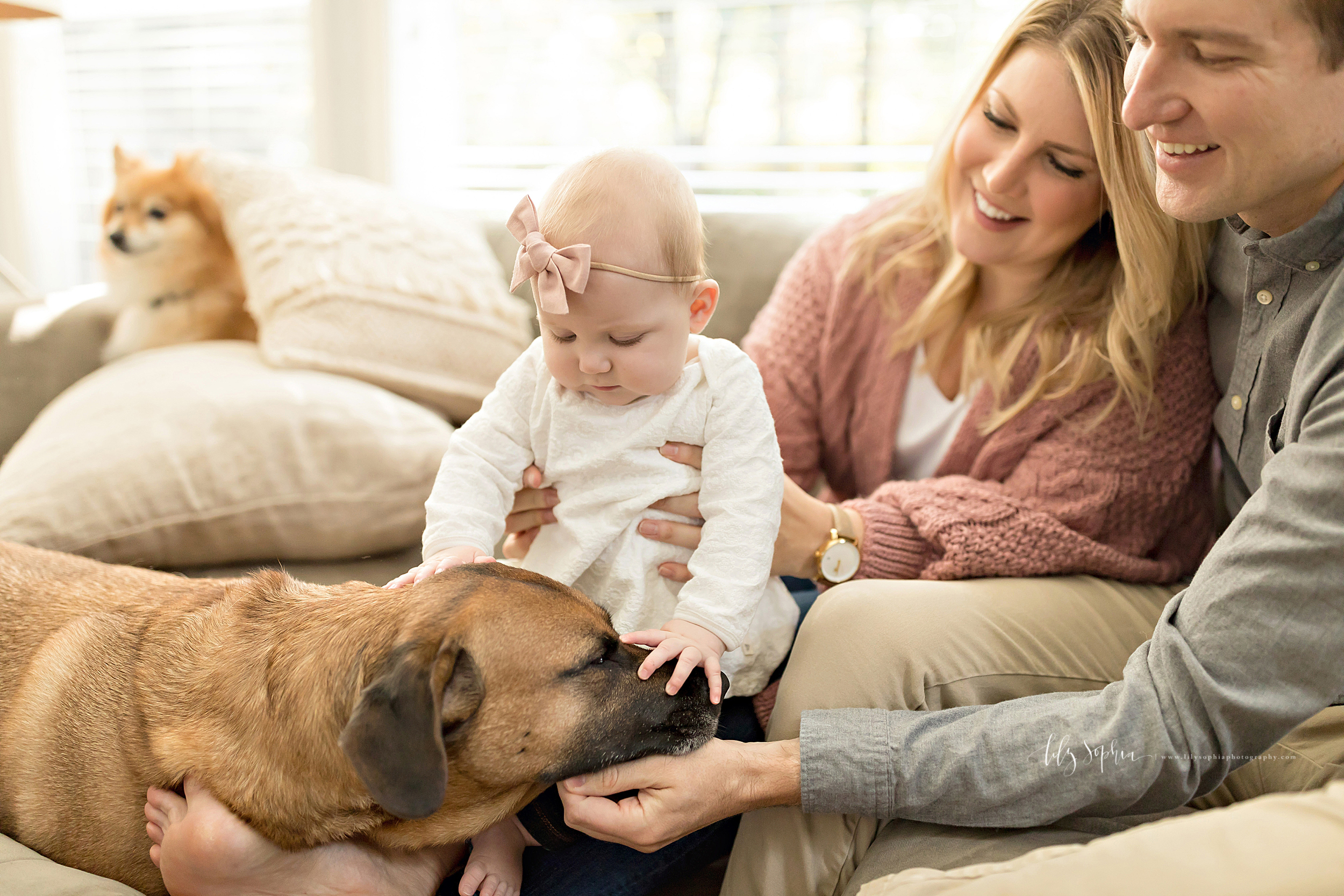 atlanta-midtown-brookhaven-ashford-dunwoody-virginia-highlands-roswell-decatur-lily-sophia-photography-in-home-six-month-milestone-family-lifestyle-session-sandy-springs_0650.jpg