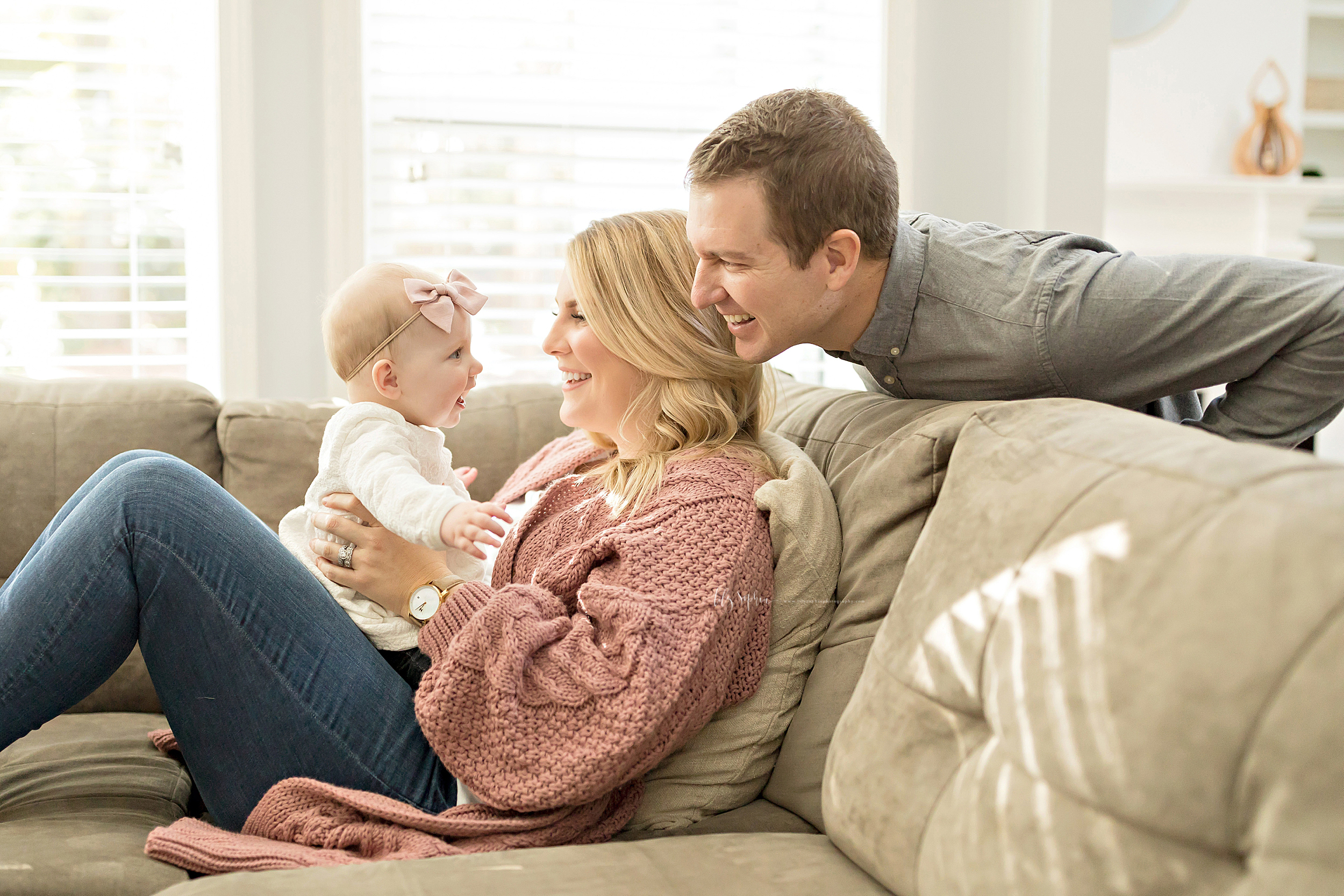 atlanta-midtown-brookhaven-ashford-dunwoody-virginia-highlands-roswell-decatur-lily-sophia-photography-in-home-six-month-milestone-family-lifestyle-session-sandy-springs_0654.jpg