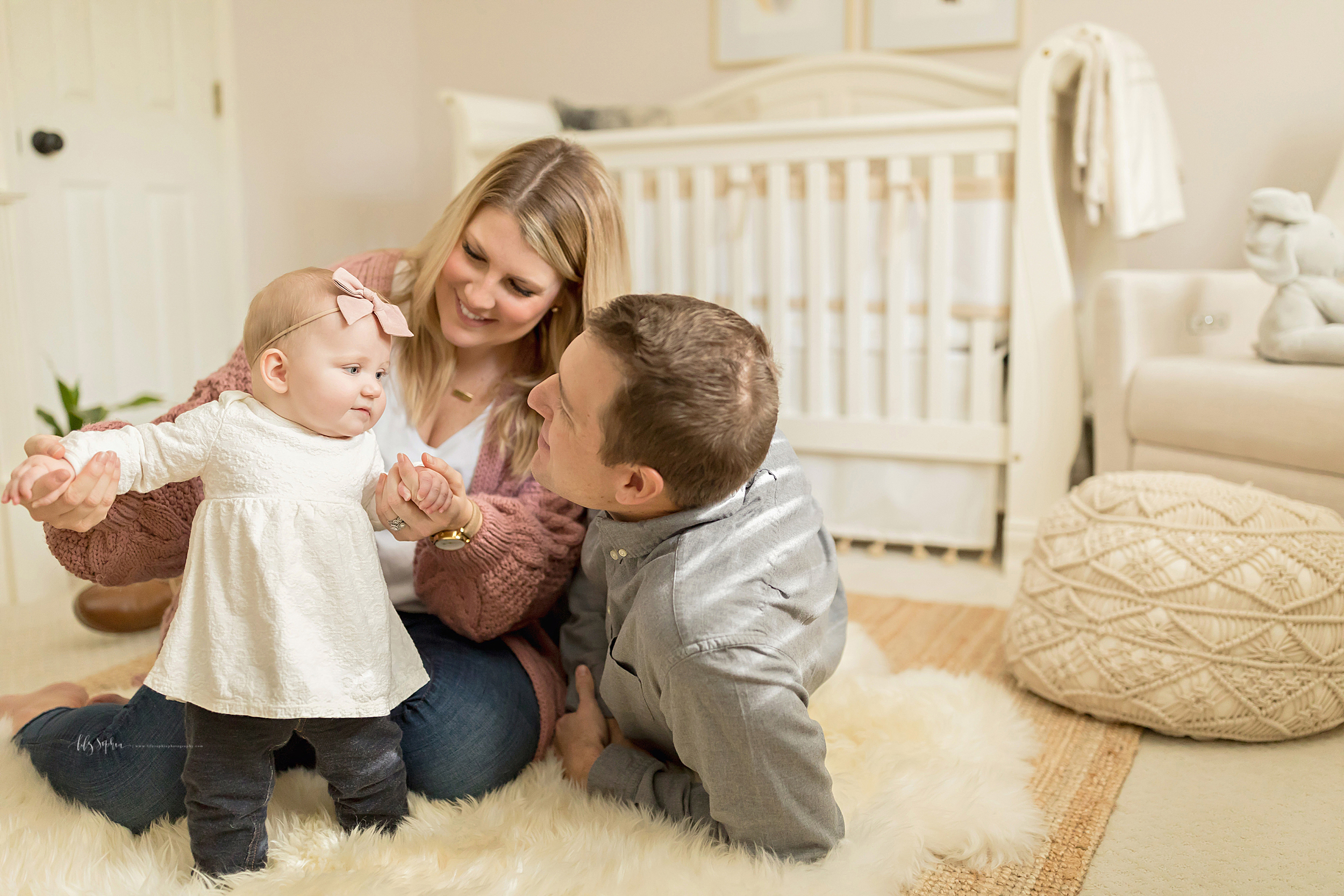 atlanta-midtown-brookhaven-ashford-dunwoody-virginia-highlands-roswell-decatur-lily-sophia-photography-in-home-six-month-milestone-family-lifestyle-session-sandy-springs_0665.jpg