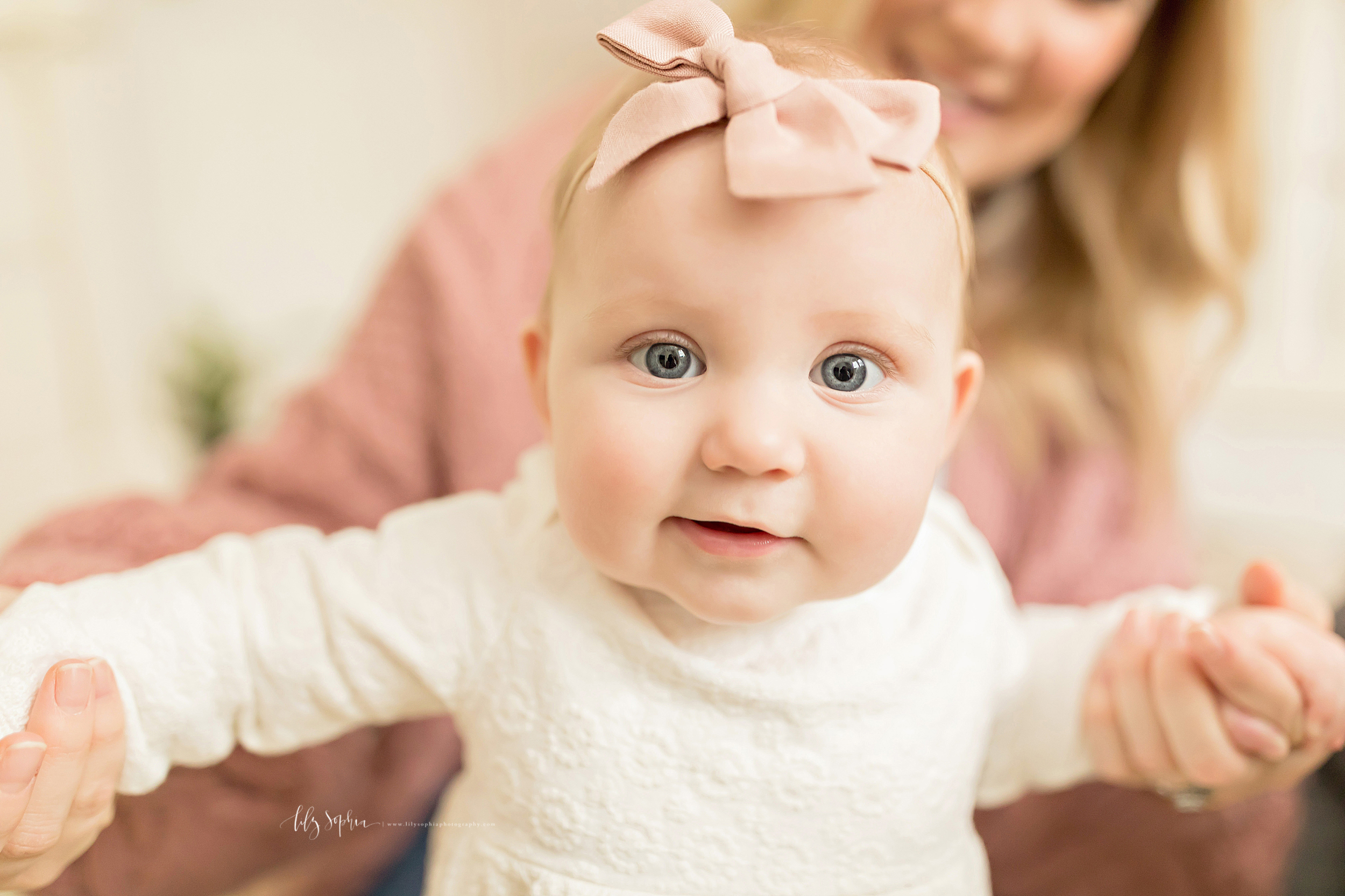 atlanta-midtown-brookhaven-ashford-dunwoody-virginia-highlands-roswell-decatur-lily-sophia-photography-in-home-six-month-milestone-family-lifestyle-session-sandy-springs_0666.jpg