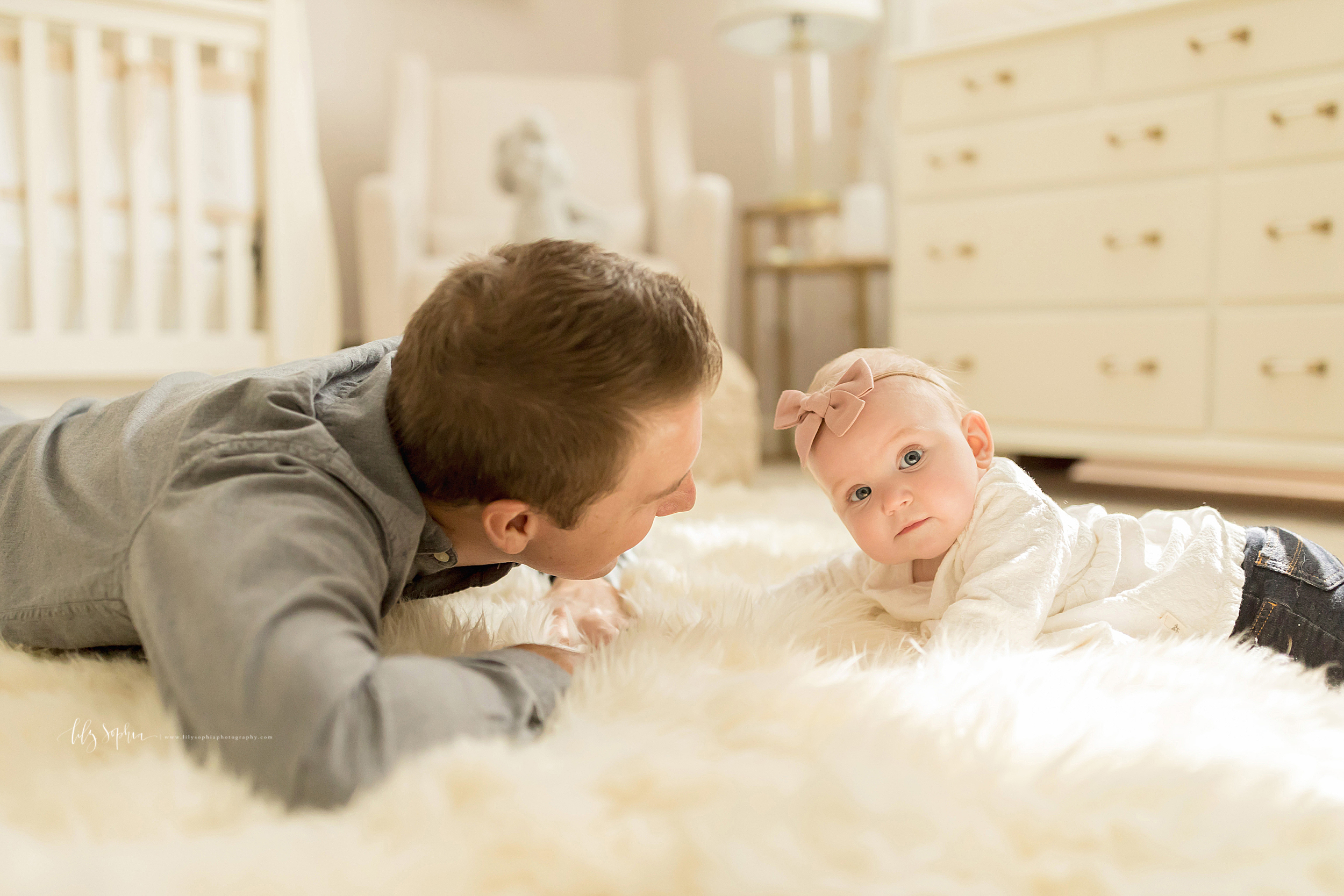 atlanta-midtown-brookhaven-ashford-dunwoody-virginia-highlands-roswell-decatur-lily-sophia-photography-in-home-six-month-milestone-family-lifestyle-session-sandy-springs_0668.jpg