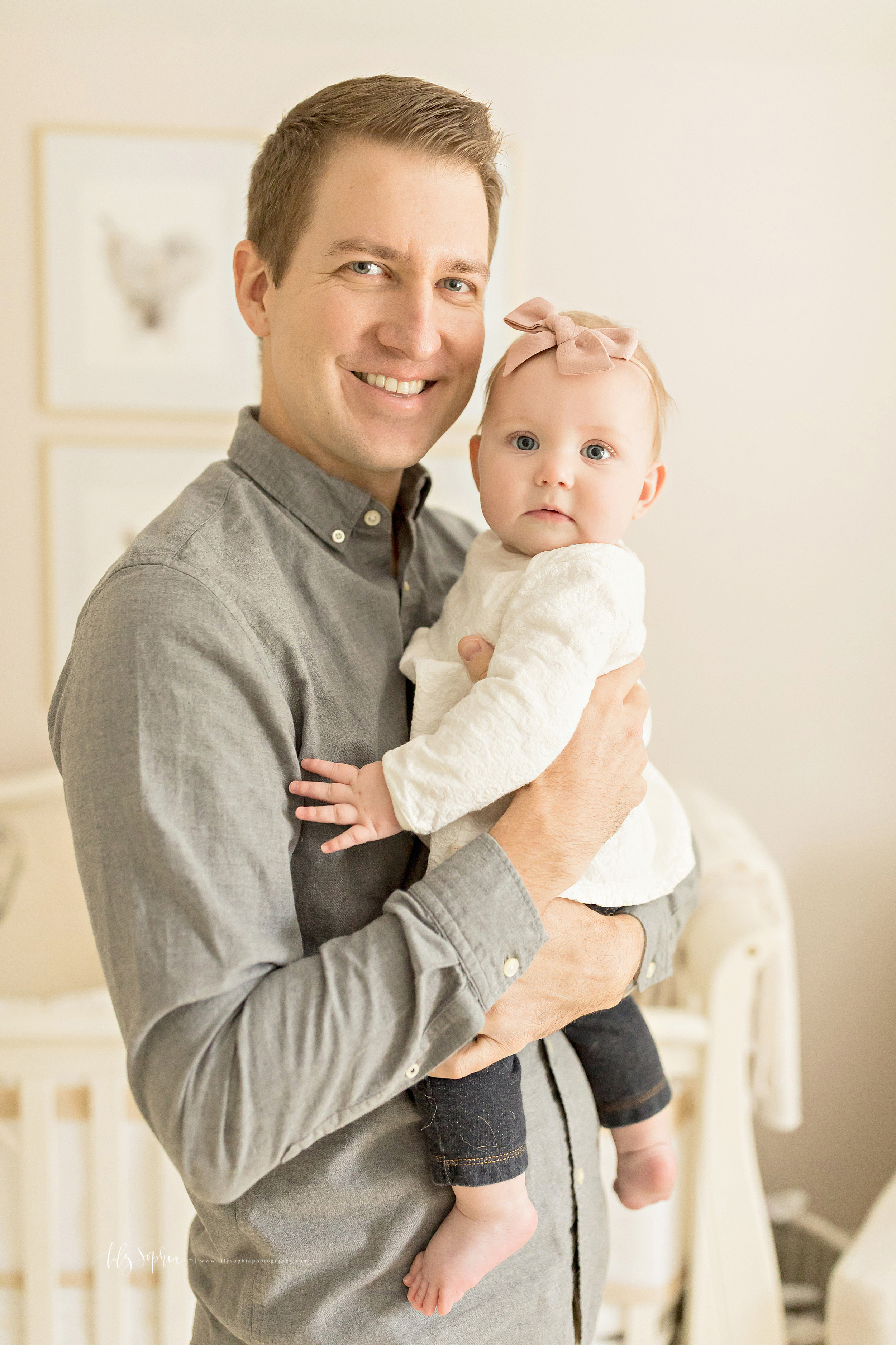 atlanta-midtown-brookhaven-ashford-dunwoody-virginia-highlands-roswell-decatur-lily-sophia-photography-in-home-six-month-milestone-family-lifestyle-session-sandy-springs_0669.jpg