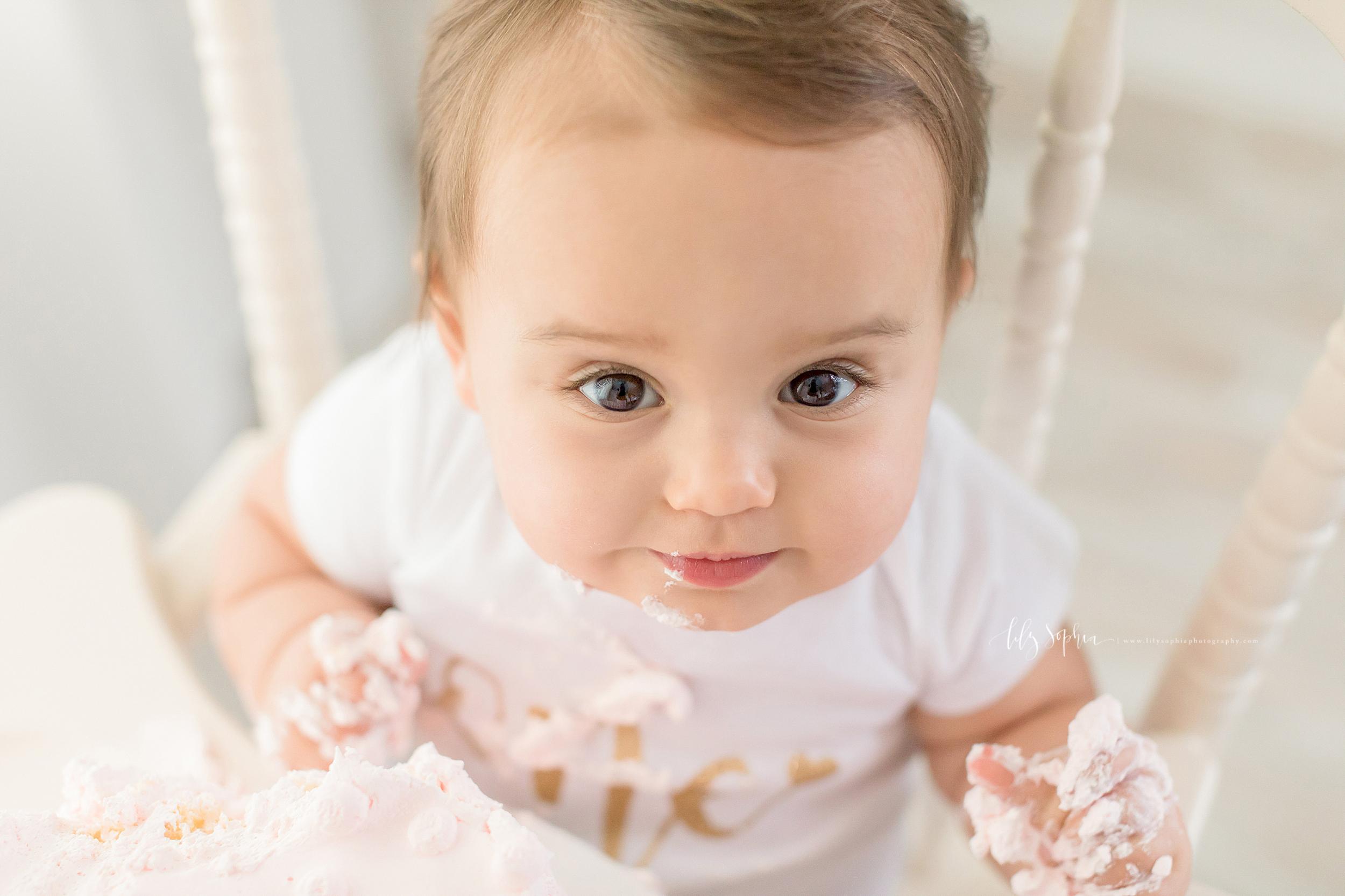 atlanta-sandy-springs-buckhead-virginia-highlands-smyrna-decatur-lily-sophia-photography-milestone-first-birthday-one-toddler-girl-family-atlanta-cake-smash_0899.jpg