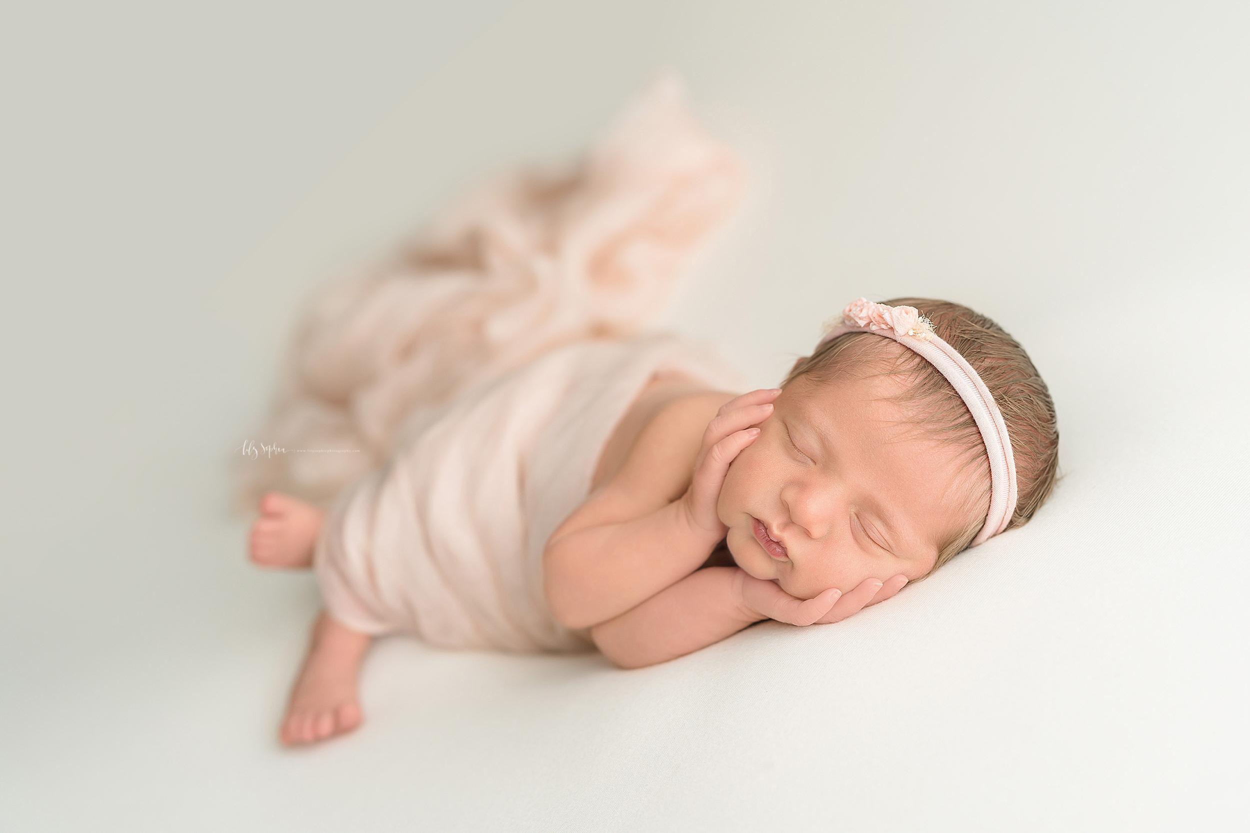 atlanta-sandy-springs-buckhead-virginia-highlands-smyrna-decatur-lily-sophia-photography-newborn-baby-girl-family-studio-portraits_0918.jpg