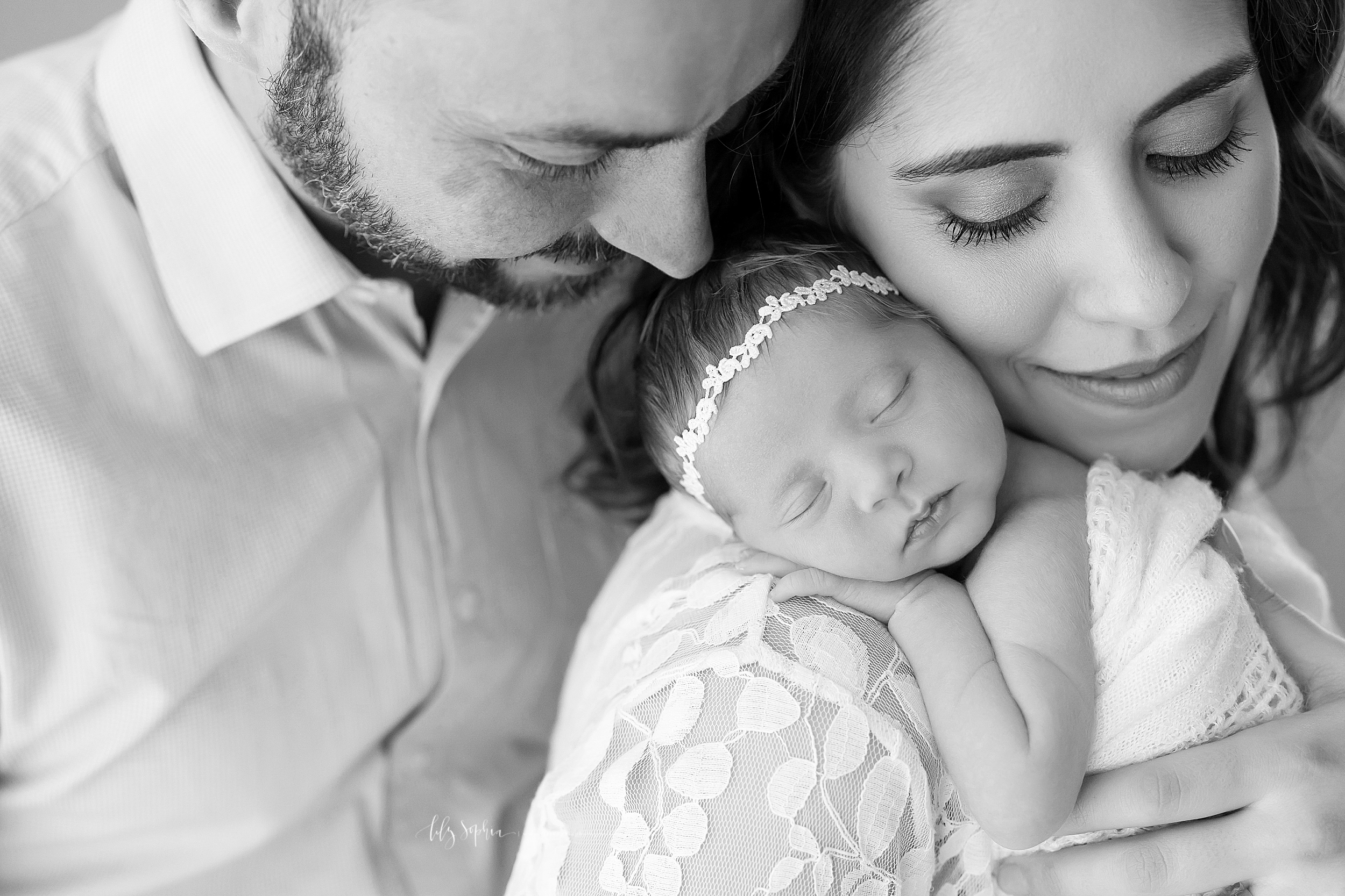atlanta-sandy-springs-buckhead-virginia-highlands-smyrna-decatur-lily-sophia-photography-newborn-baby-girl-family-studio-portraits_0931.jpg