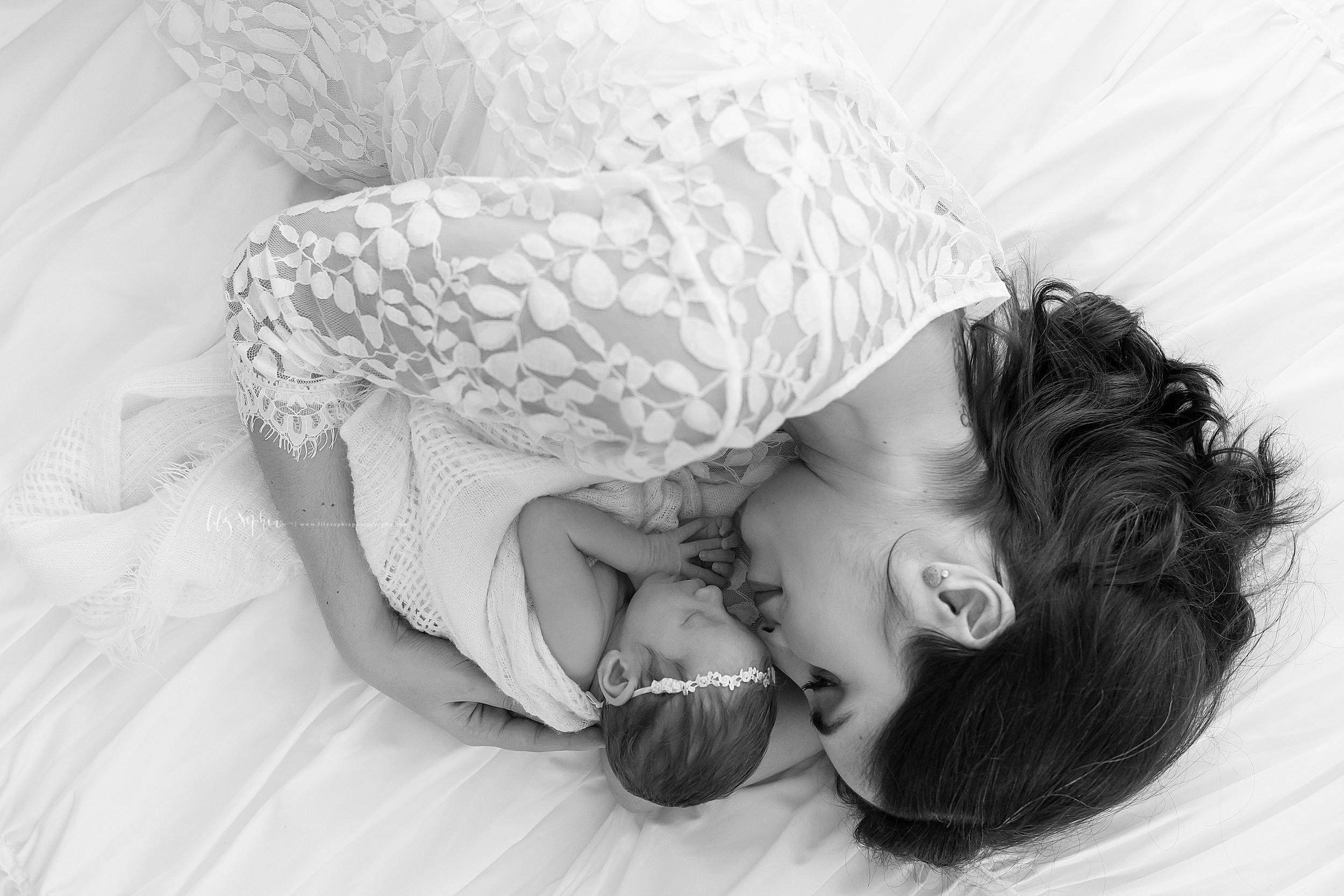 atlanta-sandy-springs-buckhead-virginia-highlands-smyrna-decatur-lily-sophia-photography-newborn-baby-girl-family-studio-portraits_0932.jpg