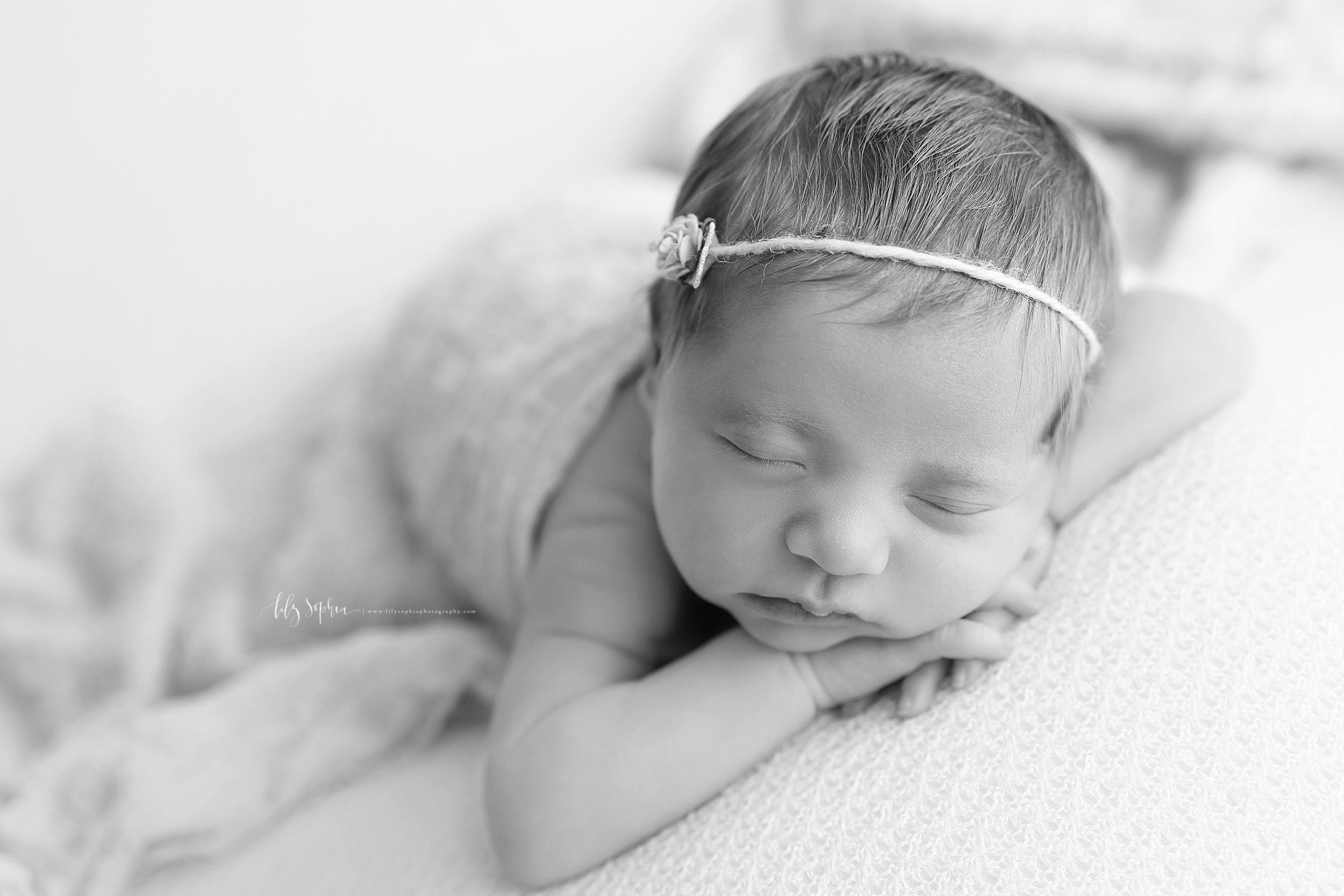 atlanta-sandy-springs-buckhead-virginia-highlands-smyrna-decatur-lily-sophia-photography-newborn-baby-girl-family-studio-portraits_0940.jpg