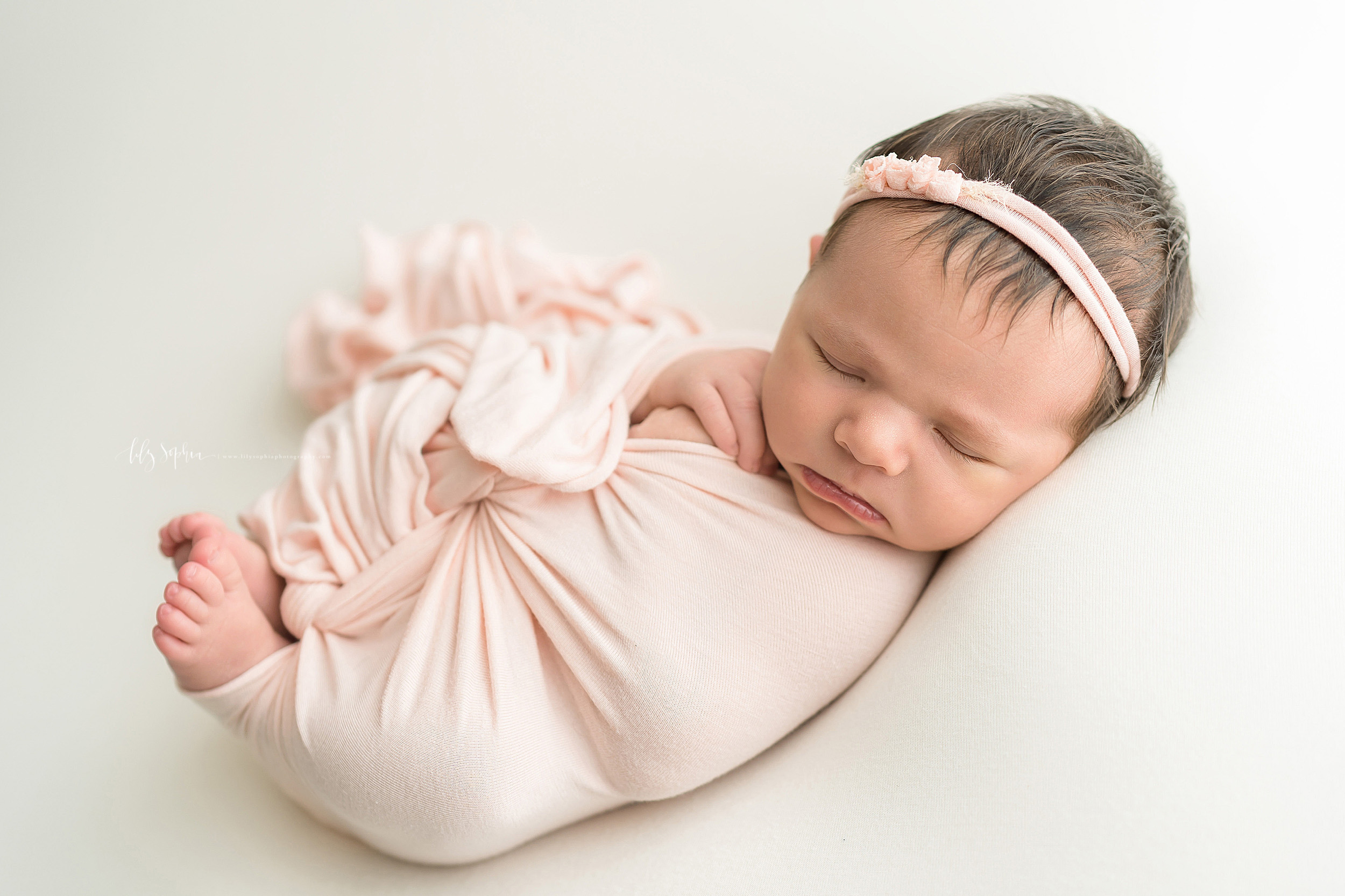 atlanta-roswell-brookhaven-sandy-springs-buckhead-virginia-highlands-west-end-decatur-lily-sophia-photography-studio-newborn-baby-girl-family-pictures_1011.jpg