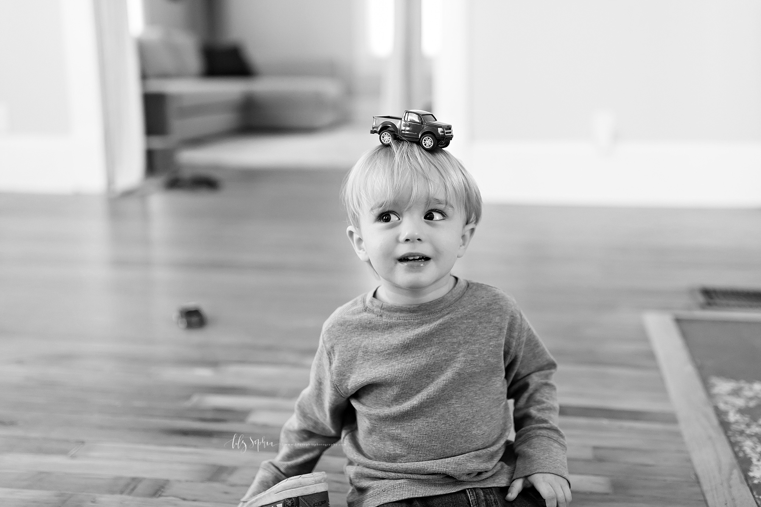 atlanta-adair-park-west-end-sandy-springs-buckhead-virginia-highlands-west-end-decatur-lily-sophia-photography-toddler-boy-family-in-home-lifestyle-session-photos_1184.jpg
