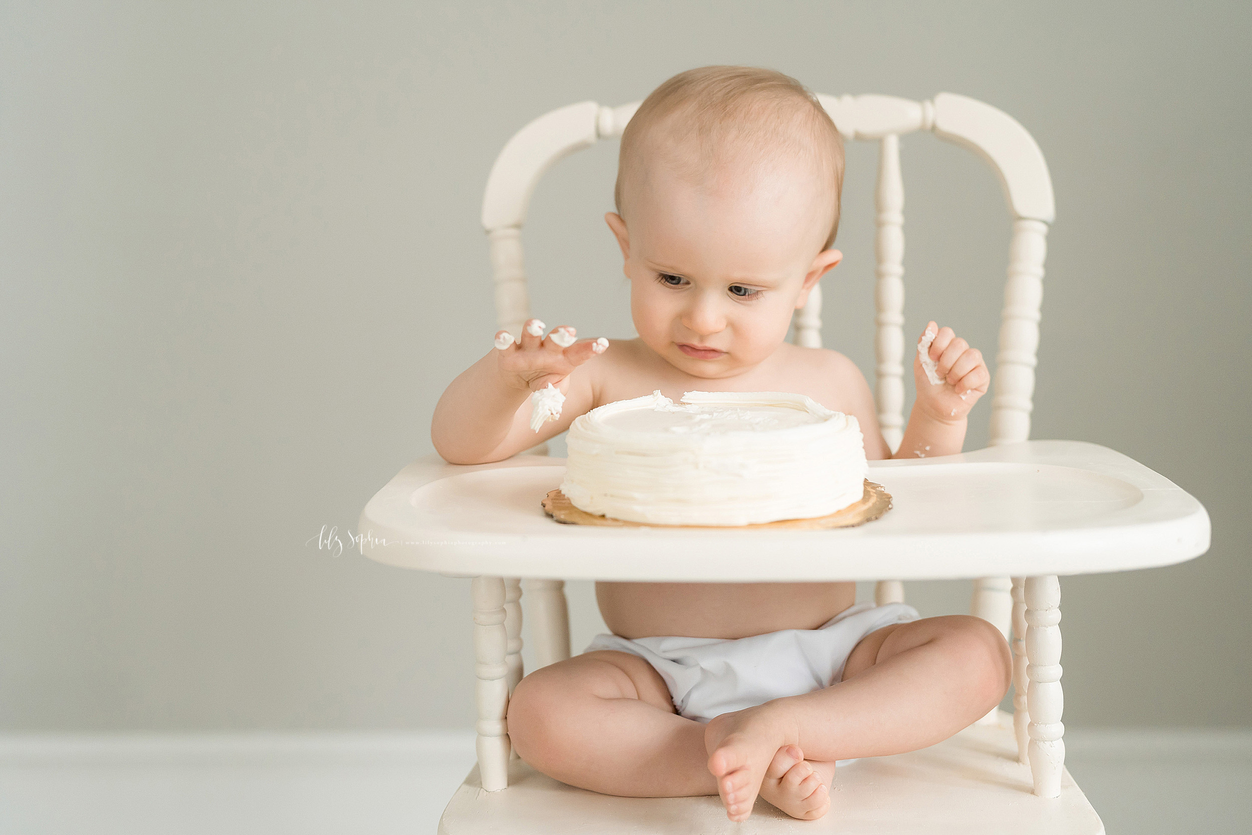 atlanta-brookhaven-alpharetta-sandy-springs-buckhead-virginia-highlands-west-end-decatur-lily-sophia-photography-studio-first-birthday-cake-smash-toddler-baby-boy-family-photos_1145.jpg