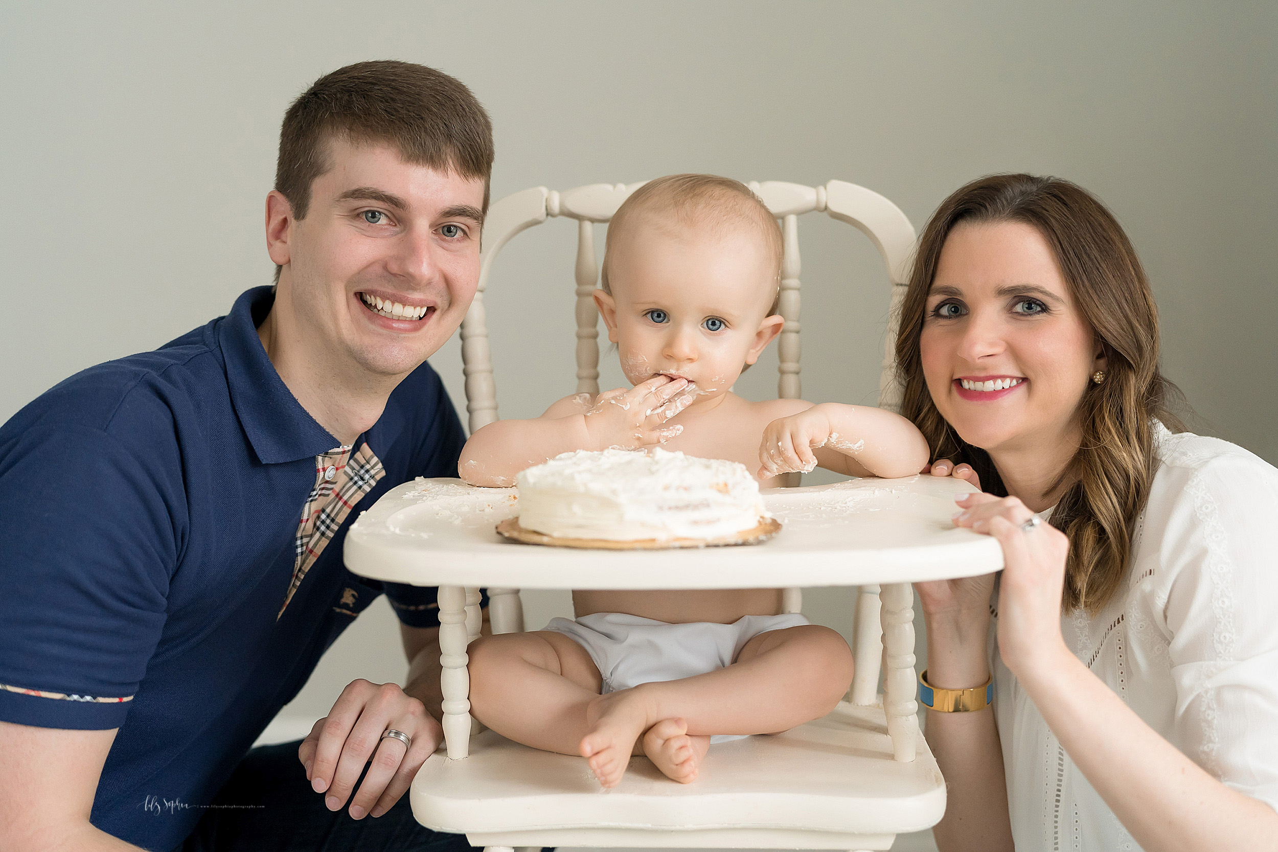 atlanta-brookhaven-alpharetta-sandy-springs-buckhead-virginia-highlands-west-end-decatur-lily-sophia-photography-studio-first-birthday-cake-smash-toddler-baby-boy-family-photos_1148.jpg