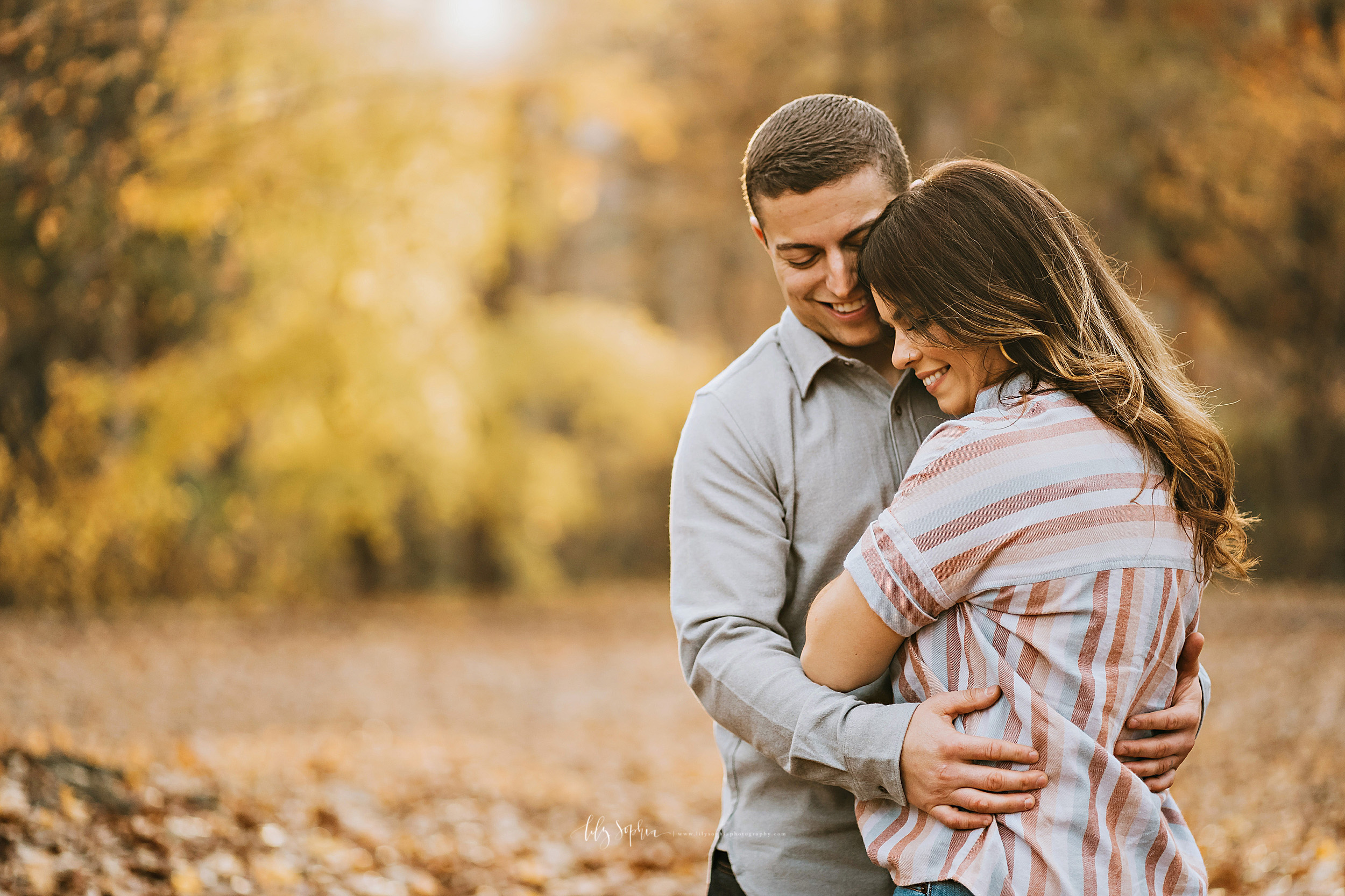 atlanta-reynoldstown-peoplestown-decatur-sandy-springs-buckhead-virginia-highlands-west-end-decatur-lily-sophia-photography-outdoor-fall-couples-photos_1482.jpg